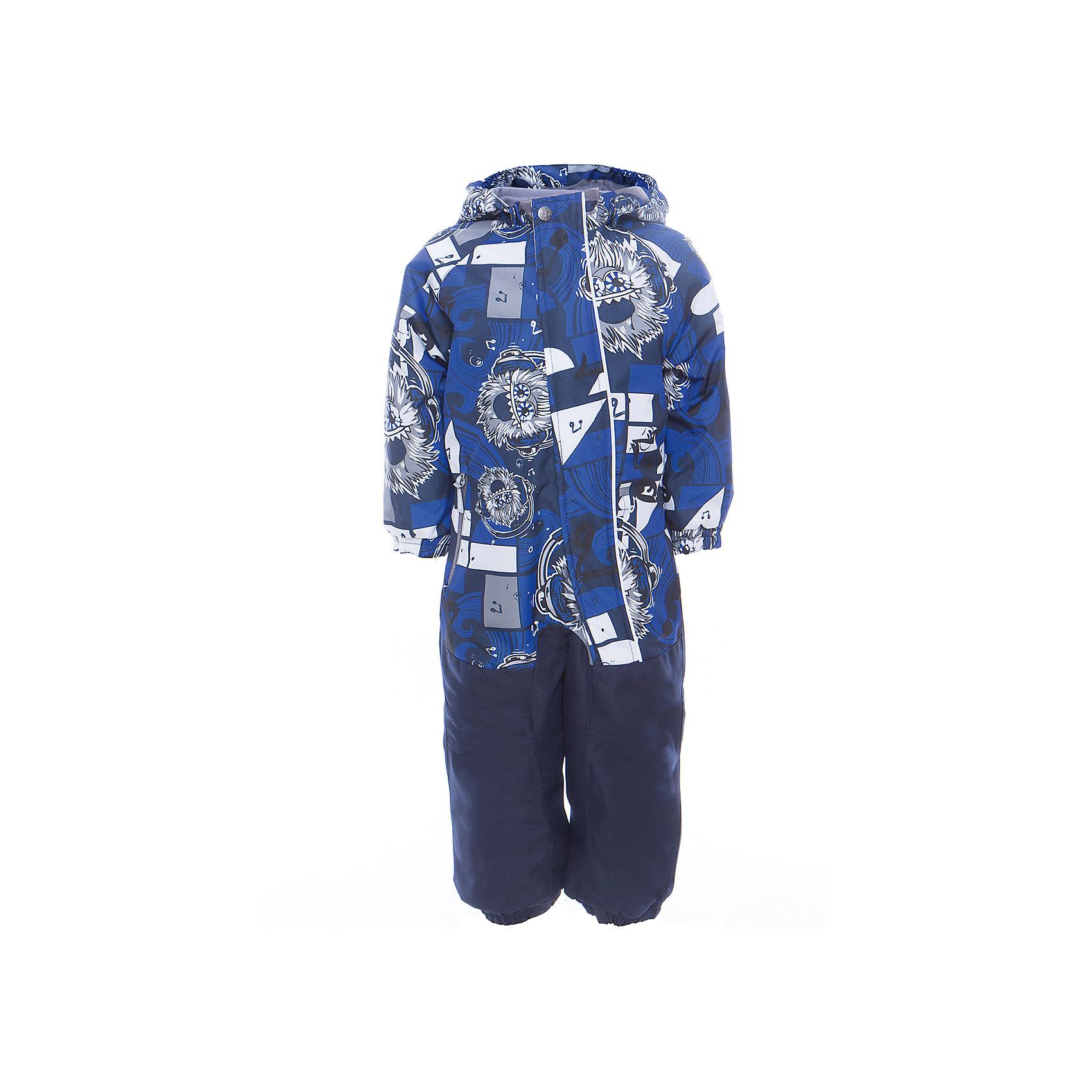 Комбинезон CHRIS для мальчика HuppaВерхняя одежда<br>Характеристики товара:<br><br>• цвет: синий принт<br>• ткань: 100% полиэстер<br>• подкладка: тафта, pritex - 100% полиэстер<br>• утеплитель: 100% полиэстер 100 г<br>• температурный режим: от -5°С до +10°С<br>• водонепроницаемость: 10000 мм<br>• воздухопроницаемость: 10000 мм<br>• светоотражающие детали<br>• средний задний шов, боковые и внутренние швы проклеены<br>• съёмный капюшон с резинкой<br>• защита подбородка<br>• эластичные манжеты<br>• манжеты брюк с резинкой<br>• съёмные эластичные штрипки<br>• без внутренних швов<br>• коллекция: весна-лето 2017<br>• страна бренда: Эстония<br><br>Этот удобный комбинезон обеспечит детям тепло и комфорт. Он сделан из материала, отталкивающего воду, и дополнен подкладкой с утеплителем, поэтому изделие идеально подходит для межсезонья. Материал изделия - с мембранной технологией: защищая от влаги и ветра, он легко выводит лишнюю влагу наружу. Комбинезон очень симпатично смотрится. <br><br>Одежда и обувь от популярного эстонского бренда Huppa - отличный вариант одеть ребенка можно и комфортно. Вещи, выпускаемые компанией, качественные, продуманные и очень удобные. Для производства изделий используются только безопасные для детей материалы. Продукция от Huppa порадует и детей, и их родителей!<br><br>Комбинезон GOLDEN от бренда Huppa (Хуппа) можно купить в нашем интернет-магазине.<br><br>Ширина мм: 356<br>Глубина мм: 10<br>Высота мм: 245<br>Вес г: 519<br>Цвет: синий<br>Возраст от месяцев: 36<br>Возраст до месяцев: 48<br>Пол: Мужской<br>Возраст: Детский<br>Размер: 104,92,98,110,116,122<br>SKU: 5346566