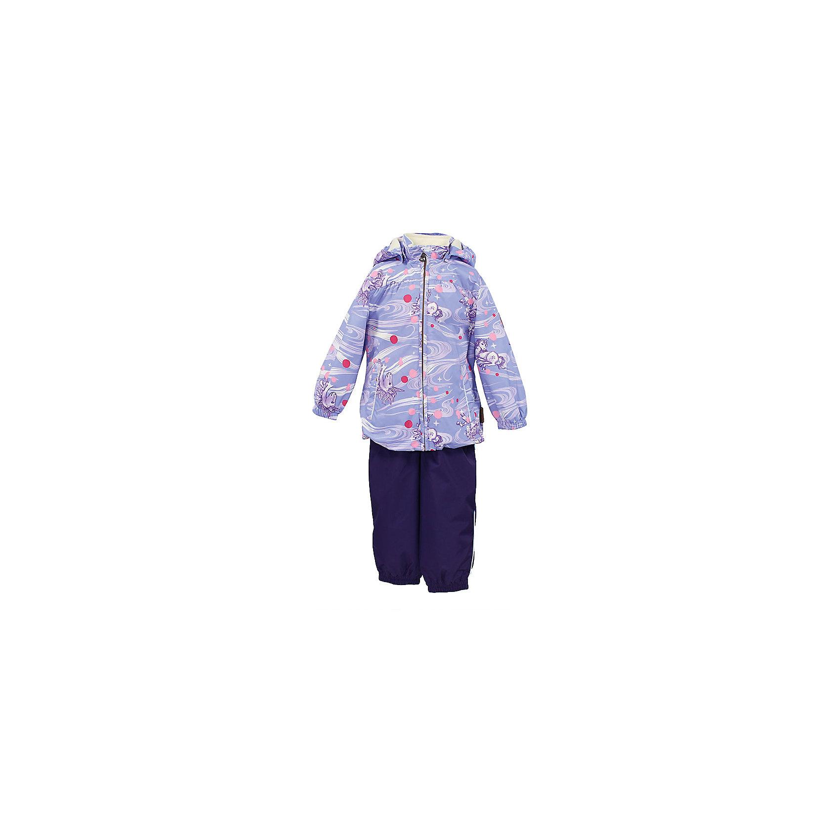 Комплект: куртка и полукомбинезон для девочки CLARA HuppaКомплекты<br>Характеристики товара:<br><br>• цвет: сиреневый принт/тёмно-фиолетовый<br>• комплектация: куртка и полукомбинезон <br>• ткань: 100% полиэстер<br>• подкладка: Coral-fleece смесь хлопка и полиэстера, в рукавах - тафта 100% полиэстер<br>• утеплитель: 100% полиэстер; куртка 100 г, полукомбинезон 40 г<br>• температурный режим: от -5°С до +10°С<br>• водонепроницаемость: верх - 5000 мм, низ - 10000 мм<br>• воздухопроницаемость: верх - 5000 мм, низ - 10000 мм<br>• светоотражающие детали<br>• шов сидения проклеен<br>• съёмный капюшон с резинкой<br>• эластичные манжеты на рукавах<br>• манжеты брюк с резинкой<br>• съёмные эластичные штрипки<br>• без внутренних швов<br>• резиновые подтяжки<br>• коллекция: весна-лето 2017<br>• страна бренда: Эстония<br><br>Такой модный демисезонный комплект  обеспечит детям тепло и комфорт. Он сделан из материала, отталкивающего воду, и дополнен подкладкой с утеплителем, поэтому изделие идеально подходит для межсезонья. Материал изделий - с мембранной технологией: защищая от влаги и ветра, он легко выводит лишнюю влагу наружу. Комплект очень симпатично смотрится. <br><br>Одежда и обувь от популярного эстонского бренда Huppa - отличный вариант одеть ребенка можно и комфортно. Вещи, выпускаемые компанией, качественные, продуманные и очень удобные. Для производства изделий используются только безопасные для детей материалы. Продукция от Huppa порадует и детей, и их родителей!<br><br>Комплект: куртка и полукомбинезон CLARA от бренда Huppa (Хуппа) можно купить в нашем интернет-магазине.<br><br>Ширина мм: 356<br>Глубина мм: 10<br>Высота мм: 245<br>Вес г: 519<br>Цвет: розовый<br>Возраст от месяцев: 48<br>Возраст до месяцев: 60<br>Пол: Женский<br>Возраст: Детский<br>Размер: 110,80,86,92,98,104<br>SKU: 5346573