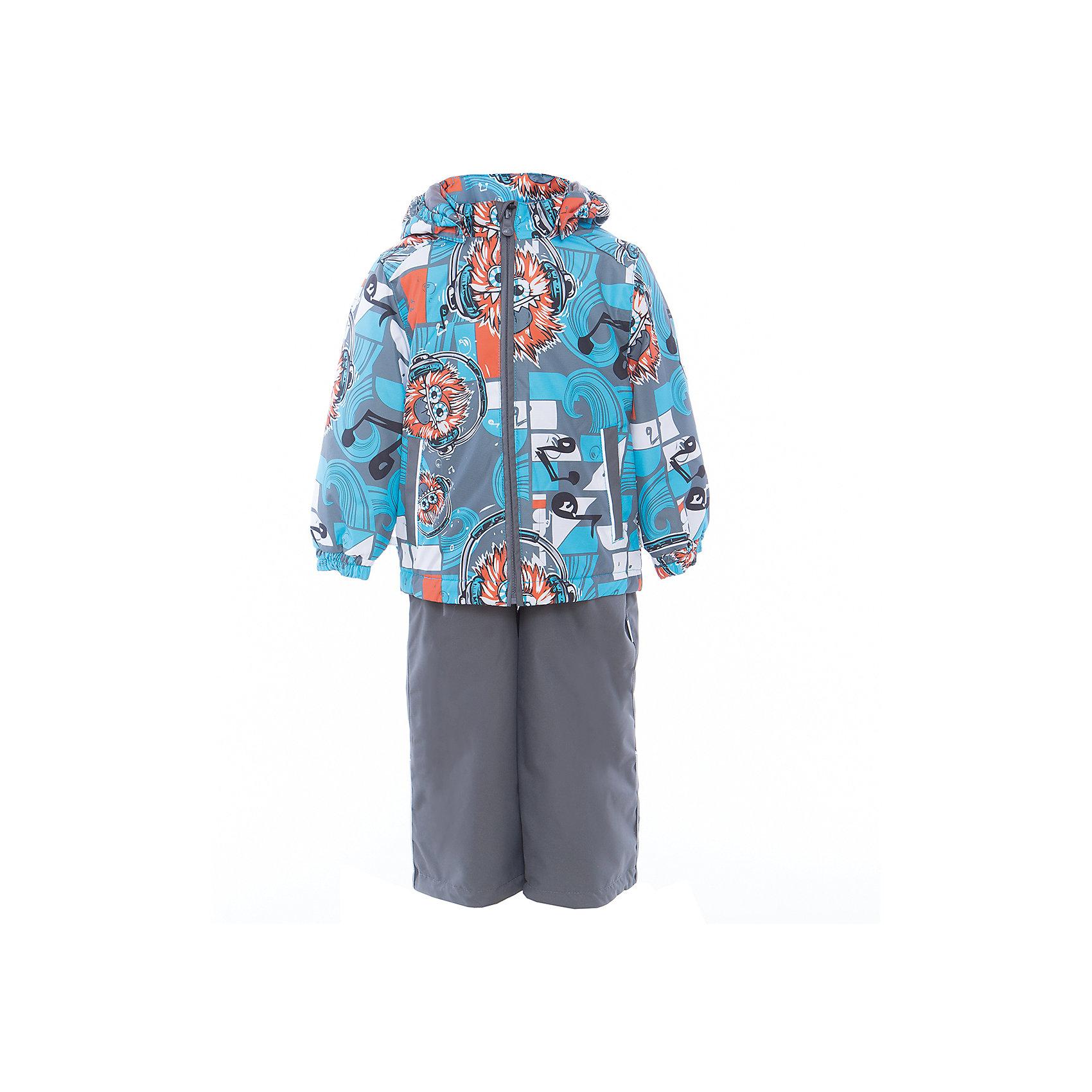 Комплект: куртка и полукомбинезон YOKO для мальчика HuppaВерхняя одежда<br>Характеристики товара:<br><br>• цвет: голубой принт/серый<br>• комплектация: куртка и полукомбинезон <br>• ткань: 100% полиэстер<br>• подкладка: тафта - 100% полиэстер<br>• утеплитель: в куртке и в брюках - 100% полиэстер 100 г<br>• температурный режим: от -5°С до +10°С<br>• водонепроницаемость: 10000 мм<br>• воздухопроницаемость: 10000 мм<br>• светоотражающие детали<br>• шов сидения проклеен<br>• эластичный шнур по низу куртки<br>• эластичный шнур с фиксатором внизу брючин<br>• съёмный капюшон с резинкой<br>• эластичные манжеты рукавов<br>• регулируемые низы брючин<br>• без внутренних швов<br>• резиновые подтяжки<br>• коллекция: весна-лето 2017<br>• страна бренда: Эстония<br><br>Такой модный демисезонный комплект  обеспечит детям тепло и комфорт. Он сделан из материала, отталкивающего воду, и дополнен подкладкой с утеплителем, поэтому изделие идеально подходит для межсезонья. Материал изделий - с мембранной технологией: защищая от влаги и ветра, он легко выводит лишнюю влагу наружу. Комплект очень симпатично смотрится. <br><br>Одежда и обувь от популярного эстонского бренда Huppa - отличный вариант одеть ребенка можно и комфортно. Вещи, выпускаемые компанией, качественные, продуманные и очень удобные. Для производства изделий используются только безопасные для детей материалы. Продукция от Huppa порадует и детей, и их родителей!<br><br>Комплект: куртка и полукомбинезон YOKO от бренда Huppa (Хуппа) можно купить в нашем интернет-магазине.<br><br>Ширина мм: 356<br>Глубина мм: 10<br>Высота мм: 245<br>Вес г: 519<br>Цвет: голубой<br>Возраст от месяцев: 72<br>Возраст до месяцев: 84<br>Пол: Мужской<br>Возраст: Детский<br>Размер: 122,92,98,104,110,116<br>SKU: 5346732