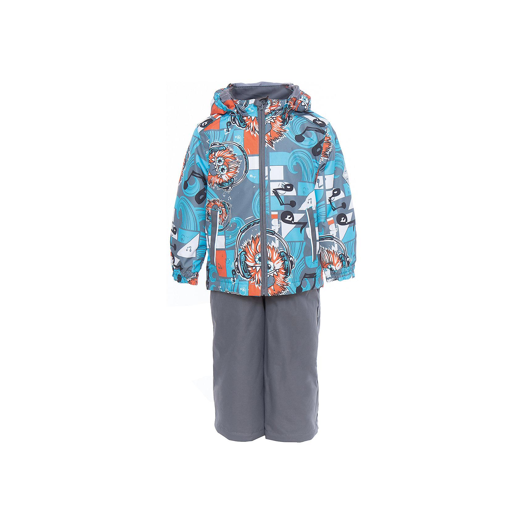 Комплект: куртка и полукомбинезон YOKO для мальчика HuppaВерхняя одежда<br>Характеристики товара:<br><br>• цвет: голубой принт/серый<br>• комплектация: куртка и полукомбинезон <br>• ткань: 100% полиэстер<br>• подкладка: тафта - 100% полиэстер<br>• утеплитель: в куртке и в брюках - 100% полиэстер 100 г<br>• температурный режим: от -5°С до +10°С<br>• водонепроницаемость: 10000 мм<br>• воздухопроницаемость: 10000 мм<br>• светоотражающие детали<br>• шов сидения проклеен<br>• эластичный шнур по низу куртки<br>• эластичный шнур с фиксатором внизу брючин<br>• съёмный капюшон с резинкой<br>• эластичные манжеты рукавов<br>• регулируемые низы брючин<br>• без внутренних швов<br>• резиновые подтяжки<br>• коллекция: весна-лето 2017<br>• страна бренда: Эстония<br><br>Такой модный демисезонный комплект  обеспечит детям тепло и комфорт. Он сделан из материала, отталкивающего воду, и дополнен подкладкой с утеплителем, поэтому изделие идеально подходит для межсезонья. Материал изделий - с мембранной технологией: защищая от влаги и ветра, он легко выводит лишнюю влагу наружу. Комплект очень симпатично смотрится. <br><br>Одежда и обувь от популярного эстонского бренда Huppa - отличный вариант одеть ребенка можно и комфортно. Вещи, выпускаемые компанией, качественные, продуманные и очень удобные. Для производства изделий используются только безопасные для детей материалы. Продукция от Huppa порадует и детей, и их родителей!<br><br>Комплект: куртка и полукомбинезон YOKO от бренда Huppa (Хуппа) можно купить в нашем интернет-магазине.<br><br>Ширина мм: 356<br>Глубина мм: 10<br>Высота мм: 245<br>Вес г: 519<br>Цвет: голубой<br>Возраст от месяцев: 72<br>Возраст до месяцев: 84<br>Пол: Мужской<br>Возраст: Детский<br>Размер: 122,92,98,104,110,116<br>SKU: 5346774