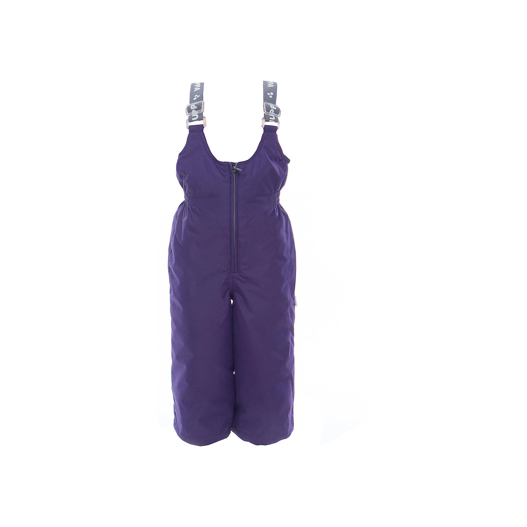 Брюки JORMA для девочки HuppaВерхняя одежда<br>Характеристики товара:<br><br>• цвет: тёмно-фиолетовый<br>• ткань: 100% полиэстер<br>• подкладка: тафта - 100% полиэстер<br>• утеплитель: 100% полиэстер 100 г<br>• температурный режим: от -5°С до +10°С<br>• водонепроницаемость: 10000 мм<br>• воздухопроницаемость: 10000 мм<br>• светоотражающие детали<br>• шов сидения проклеен<br>• регулируемые низы брючин<br>• эластичный шнурок + фиксатор<br>• без внутренних швов<br>• резиновые подтяжки<br>• комфортная посадка<br>• коллекция: весна-лето 2017<br>• страна бренда: Эстония<br><br>Эти утепленные брюки обеспечат детям тепло и комфорт. Они сделаны из материала, отталкивающего воду, и дополнены подкладкой с утеплителем, поэтому изделие идеально подходит для межсезонья. Материал изделия - с мембранной технологией: защищая от влаги и ветра, он легко выводит лишнюю влагу наружу. Для удобства лямки сделаны регулиющимися, а манжеты - эластичными. Брюки очень симпатично смотрятся. Модель была разработана специально для детей.<br><br>Одежда и обувь от популярного эстонского бренда Huppa - отличный вариант одеть ребенка можно и комфортно. Вещи, выпускаемые компанией, качественные, продуманные и очень удобные. Для производства изделий используются только безопасные для детей материалы. Продукция от Huppa порадует и детей, и их родителей!<br><br>Брюки JORMA от бренда Huppa (Хуппа) можно купить в нашем интернет-магазине.<br><br>Ширина мм: 215<br>Глубина мм: 88<br>Высота мм: 191<br>Вес г: 336<br>Цвет: розовый<br>Возраст от месяцев: 96<br>Возраст до месяцев: 108<br>Пол: Женский<br>Возраст: Детский<br>Размер: 134,92,98,104,110,116,122,128<br>SKU: 5347236