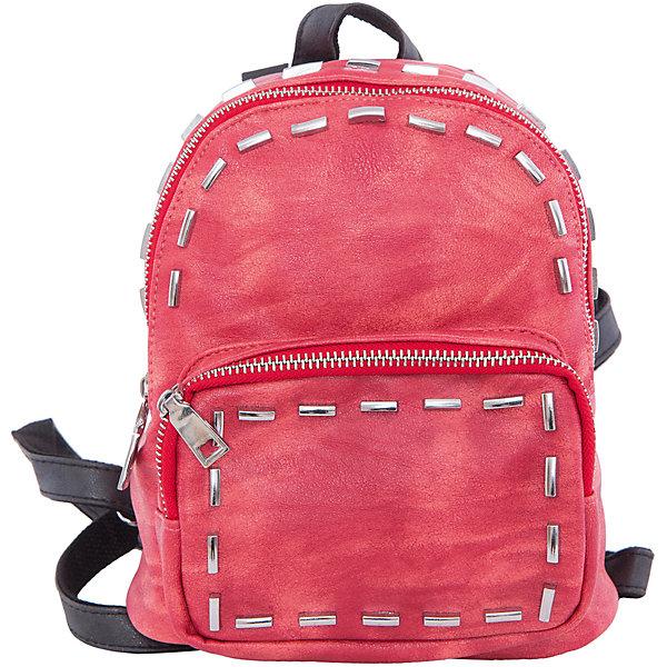 Рюкзак VITACCIАксессуары<br>Характеристики:<br><br>• Тип сумки: рюкзак<br>• Пол: для девочки<br>• Цвет: красный<br>• Сезон: круглый год<br>• Тематика рисунка: без рисунка<br>• Тип застежки: молния<br>• Декоративные элементы: металлические клепки<br>• Отстегивающиеся лямки регулируются по длине<br>• Одно отделение с дополнительными кармашками<br>• Предусмотрена ручка-петля<br>• Спереди имеется объемный карман на молнии<br>• Материал: верх – искусственная кожа, подклад – текстиль <br>• Габариты: ширина днища – 10 см, высота – 23 см, глубина – 10 см<br>• Вес: 900 г<br>• Особенности ухода: влажная чистка, сухая чистка<br><br>Рюкзак VITACCI от лидера российско-итальянского предприятия, которое специализируется на выпуске высококачественной обуви и аксессуаров как для взрослых, так и для детей. Детские сумки этого торгового бренда изготавливаются с учетом анатомических особенностей детей и имеют эргономичную форму. Форма и дизайн сумок разрабатывается итальянскими ведущими дизайнерами и отражает новейшие тенденции в мире моды. Особенность этого торгового бренда заключается в эксклюзивном сочетании материалов разных фактур и декорирование изделий стильными аксессуарами. <br><br>Рюкзак VITACCI изготовлен из экологически безопасной искусственной кожи с эффектом замши. Имеет одно просторное отделение с маленькими кармашками: один с замочком на молнии, второй – для сотового телефона или смартфона. Спереди у рюкзака предусмотрен внешний карман-отделение на застежке молнии и боковые карманы. Съемные лямки регулируются по длине. Рюкзак выполнен в стильном красном цвете, декорирован металлическими клепками в форме цилиндров.<br>Рюкзак VITACCI – это стильный аксессуар, который создаст неповторимый образ вашего ребенка! <br><br>Рюкзак VITACCI можно купить в нашем интернет-магазине.<br><br>Ширина мм: 170<br>Глубина мм: 157<br>Высота мм: 67<br>Вес г: 117<br>Цвет: красный<br>Возраст от месяцев: 36<br>Возраст до месяцев: 144<br>Пол: Женский<br>Возраст: Детский<br>Размер: one size<br>SKU