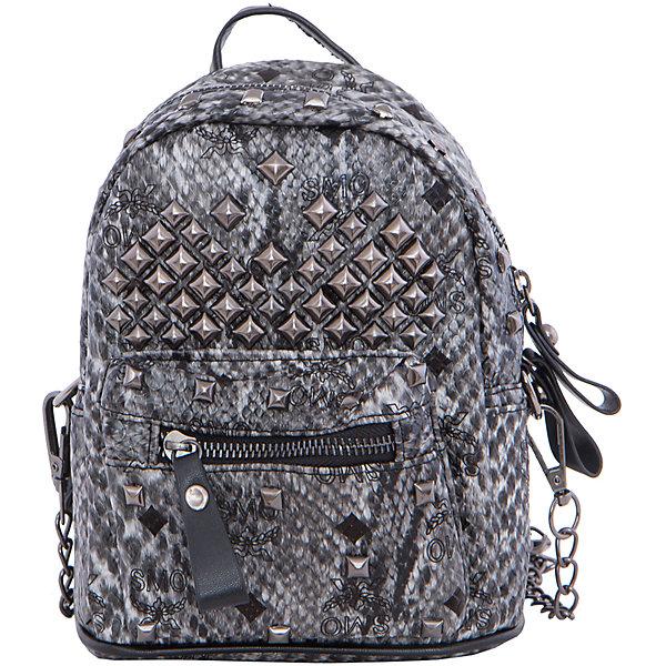 Рюкзак VITACCIАксессуары<br>Характеристики:<br><br>• Тип сумки: рюкзак<br>• Пол: для девочки<br>• Цвет: черный, серый<br>• Сезон: круглый год<br>• Тематика рисунка: без рисунка<br>• Тип застежки: молния<br>• Декоративные элементы: металлические клепки<br>• Отстегивающиеся лямки регулируются по длине<br>• Одно отделение с дополнительными кармашками<br>• Предусмотрена ручка-петля<br>• Спереди имеется объемный карман на молнии<br>• Материал: верх – искусственная кожа, подклад – текстиль <br>• Габариты: ширина днища – 16 см, высота – 20 см, глубина – 10,5 см<br>• Вес: 900 г<br>• Особенности ухода: влажная чистка, сухая чистка<br><br>Рюкзак VITACCI от лидера российско-итальянского предприятия, которое специализируется на выпуске высококачественной обуви и аксессуаров как для взрослых, так и для детей. Детские сумки этого торгового бренда изготавливаются с учетом анатомических особенностей детей и имеют эргономичную форму. Форма и дизайн сумок разрабатывается итальянскими ведущими дизайнерами и отражает новейшие тенденции в мире моды. Особенность этого торгового бренда заключается в эксклюзивном сочетании материалов разных фактур и декорирование изделий стильными аксессуарами. <br><br>Рюкзак VITACCI изготовлен из экологически безопасного искусственного материала с эффектом крокодиловой кожи. Имеет одно просторное отделение с маленькими кармашками: один с замочком на молнии, второй – для сотового телефона или смартфона. Спереди у рюкзака предусмотрен внешний карман-отделение на застежке молнии и боковые карманы. Лямки регулируются по длине. Рюкзак выполнен в стильном серо-черном цвете, декорирован металлическими клепками и фурнитурой.<br>Рюкзак VITACCI – это стильный аксессуар, который создаст неповторимый образ вашего ребенка! <br><br>Рюкзак VITACCI можно купить в нашем интернет-магазине.<br>Ширина мм: 170; Глубина мм: 157; Высота мм: 67; Вес г: 117; Цвет: серый; Возраст от месяцев: 36; Возраст до месяцев: 144; Пол: Женский; Возраст: Детский; Размер: one size; SKU: 534748