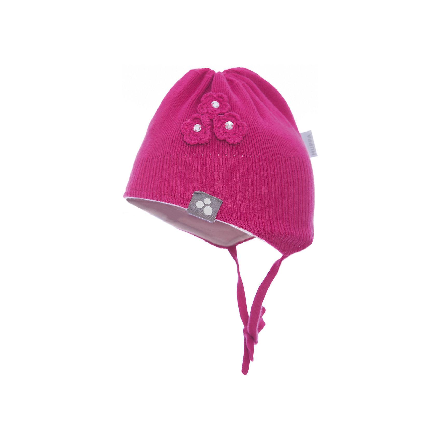 Шапка LARA для девочки HuppaГоловные уборы<br>Характеристики товара:<br><br>• цвет: фуксия<br>• состав: 100% хлопок<br>• температурный режим: от -7°до +10°С<br>• хлопковая подкладка<br>• завязки<br>• логотип<br>• можно надевать под капюшон<br>• декорирована вязаными цветами<br>• комфортная посадка<br>• мягкий материал<br>• температурный режим: от 0°С до +10°С<br>• коллекция: весна-лето 2017<br>• страна бренда: Эстония<br><br>Эта шапка обеспечит малышам тепло и комфорт. Она сделана из приятного на ощупь материала, поэтому изделие не колется и не натирает. Подкладка выполнена из дышащего и гипоаллергенного хлопка. Шапка очень симпатично смотрится, а дизайн и отделка добавляют ей оригинальности. Модель была разработана специально для малышей.<br><br>Одежда и обувь от популярного эстонского бренда Huppa - отличный вариант одеть ребенка можно и комфортно. Вещи, выпускаемые компанией, качественные, продуманные и очень удобные. Для производства изделий используются только безопасные для детей материалы. Продукция от Huppa порадует и детей, и их родителей!<br><br>Шапку LARA от бренда Huppa (Хуппа) можно купить в нашем интернет-магазине.<br><br>Ширина мм: 89<br>Глубина мм: 117<br>Высота мм: 44<br>Вес г: 155<br>Цвет: розовый<br>Возраст от месяцев: 6<br>Возраст до месяцев: 12<br>Пол: Женский<br>Возраст: Детский<br>Размер: 43-45,55-57,51-53,47-49<br>SKU: 5347720