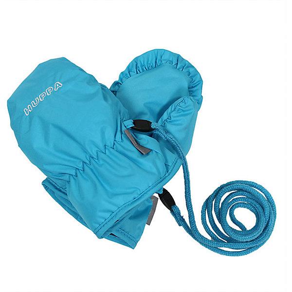 Варежки FIFI HuppaПерчатки, варежки<br>Характеристики товара:<br><br>• цвет: голубой<br>• состав: 100% полиэстер<br>• подкладка: 100% полиэстер<br>• утеплитель: 100% полиэстер 40 г<br>• температурный режим: от -5°С до +10°С<br>• водонепроницаемость: 5000 мм<br>• воздухопроницаемость: 5000 мм<br>• не продуваемые<br>• логотип<br>• шнурок<br>• не промокаемые <br>• прочная ткань<br>• комфортная посадка<br>• коллекция: весна-лето 2017<br>• страна бренда: Эстония<br><br>Эти утепленные варежки обеспечат детям тепло и комфорт в межсезонье. Они сделаны из материала, отталкивающего воду, поэтому изделие идеально подходит для межсезонья. Материал изделия - с мембранной технологией: защищая от влаги и ветра, он легко выводит лишнюю влагу наружу. Варежки очень симпатично смотрятся. Модель была разработана специально для детей.<br><br>Одежда и обувь от популярного эстонского бренда Huppa - отличный вариант одеть ребенка можно и комфортно. Вещи, выпускаемые компанией, качественные, продуманные и очень удобные. Для производства изделий используются только безопасные для детей материалы. Продукция от Huppa порадует и детей, и их родителей!<br><br>Варежки для девочки от бренда Huppa (Хуппа) можно купить в нашем интернет-магазине.<br>Ширина мм: 162; Глубина мм: 171; Высота мм: 55; Вес г: 119; Цвет: голубой; Возраст от месяцев: 6; Возраст до месяцев: 12; Пол: Унисекс; Возраст: Детский; Размер: 1,2; SKU: 5347900;