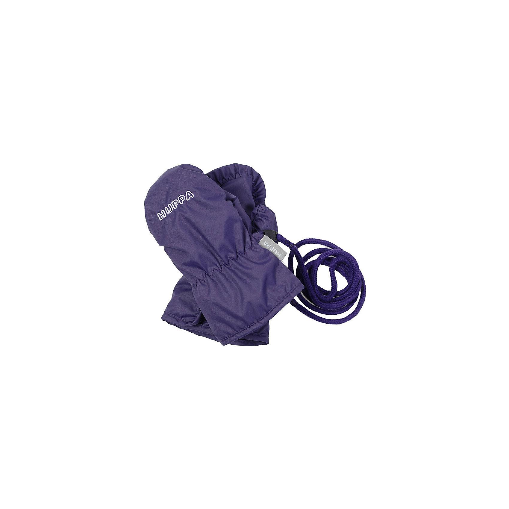 Варежки FIFI для девочки HuppaПерчатки, варежки<br>Характеристики товара:<br><br>• цвет: фиолетовый<br>• состав: 100% полиэстер<br>• подкладка: 100% полиэстер<br>• утеплитель: 100% полиэстер 40 г<br>• температурный режим: от -5°С до +10°С<br>• водонепроницаемость: 5000 мм<br>• воздухопроницаемость: 5000 мм<br>• не продуваемые<br>• логотип<br>• шнурок<br>• не промокаемые <br>• прочная ткань<br>• комфортная посадка<br>• коллекция: весна-лето 2017<br>• страна бренда: Эстония<br><br>Эти утепленные варежки обеспечат детям тепло и комфорт в межсезонье. Они сделаны из материала, отталкивающего воду, поэтому изделие идеально подходит для межсезонья. Материал изделия - с мембранной технологией: защищая от влаги и ветра, он легко выводит лишнюю влагу наружу. Варежки очень симпатично смотрятся. Модель была разработана специально для детей.<br><br>Одежда и обувь от популярного эстонского бренда Huppa - отличный вариант одеть ребенка можно и комфортно. Вещи, выпускаемые компанией, качественные, продуманные и очень удобные. Для производства изделий используются только безопасные для детей материалы. Продукция от Huppa порадует и детей, и их родителей!<br><br>Варежки для девочки от бренда Huppa (Хуппа) можно купить в нашем интернет-магазине.<br><br>Ширина мм: 162<br>Глубина мм: 171<br>Высота мм: 55<br>Вес г: 119<br>Цвет: розовый<br>Возраст от месяцев: 48<br>Возраст до месяцев: 60<br>Пол: Женский<br>Возраст: Детский<br>Размер: 2,1<br>SKU: 5347903