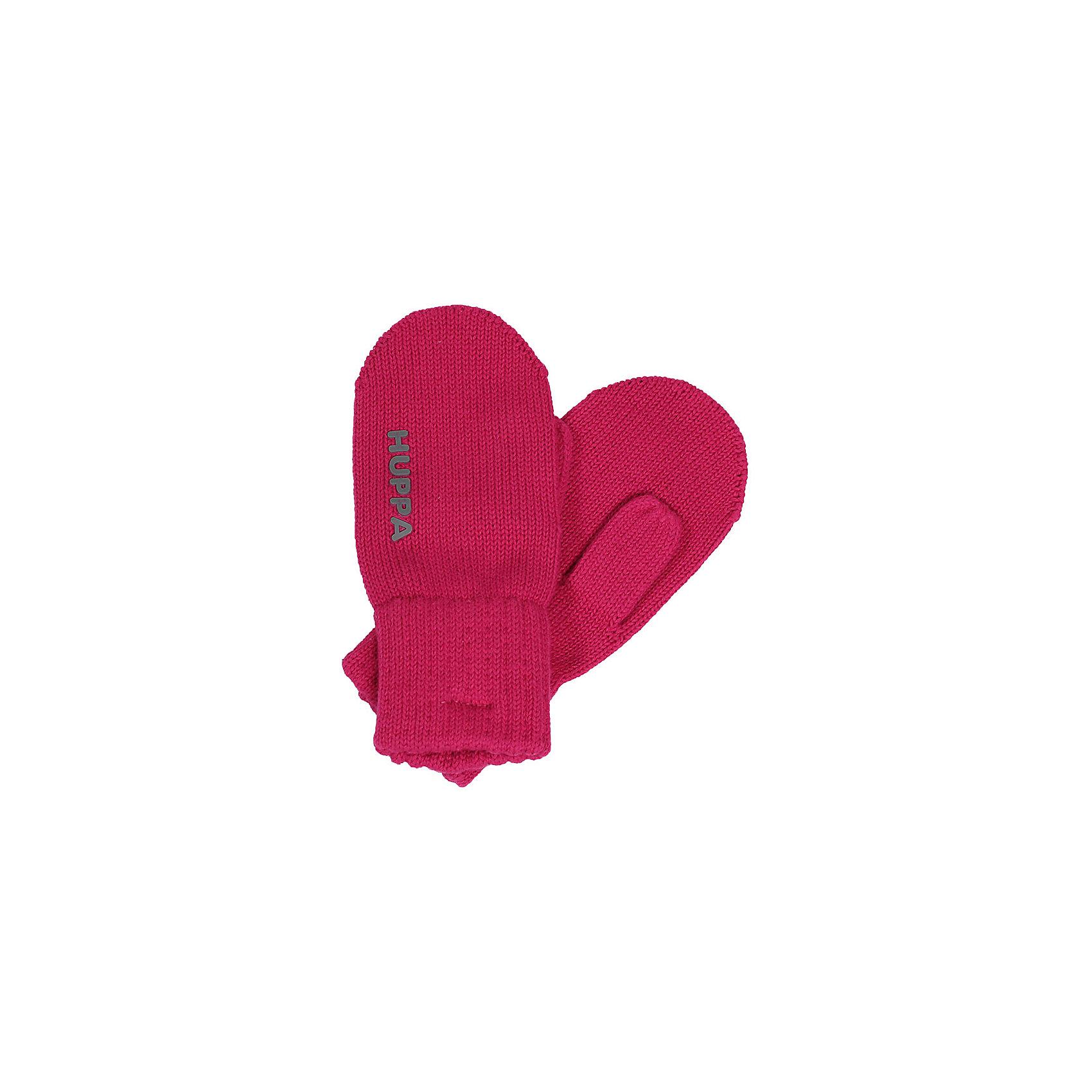Варежки SKIPPY для девочки HuppaПерчатки, варежки<br>Характеристики товара:<br><br>• цвет: фуксия<br>• состав: 100% хлопок<br>• температурный режим: от 0°С до +10°С<br>• мягкая пряжа<br>• логотип<br>• широкая мягкая резинка<br>• комфортная посадка<br>• страна бренда: Эстония<br><br>Эти варежки обеспечат детям тепло и комфорт в межсезонье. Они сделаны из мягкого дышащего хлопкового материала, поэтому изделие идеально подходит для межсезонья. Варежки очень симпатично смотрятся. Модель была разработана специально для детей.<br><br>Одежда и обувь от популярного эстонского бренда Huppa - отличный вариант одеть ребенка можно и комфортно. Вещи, выпускаемые компанией, качественные, продуманные и очень удобные. Для производства изделий используются только безопасные для детей материалы. Продукция от Huppa порадует и детей, и их родителей!<br><br>Варежки SKIPPY от бренда Huppa (Хуппа) можно купить в нашем интернет-магазине.<br><br>Ширина мм: 162<br>Глубина мм: 171<br>Высота мм: 55<br>Вес г: 119<br>Цвет: розовый<br>Возраст от месяцев: 96<br>Возраст до месяцев: 120<br>Пол: Женский<br>Возраст: Детский<br>Размер: 4,0,1,2,3<br>SKU: 5347978