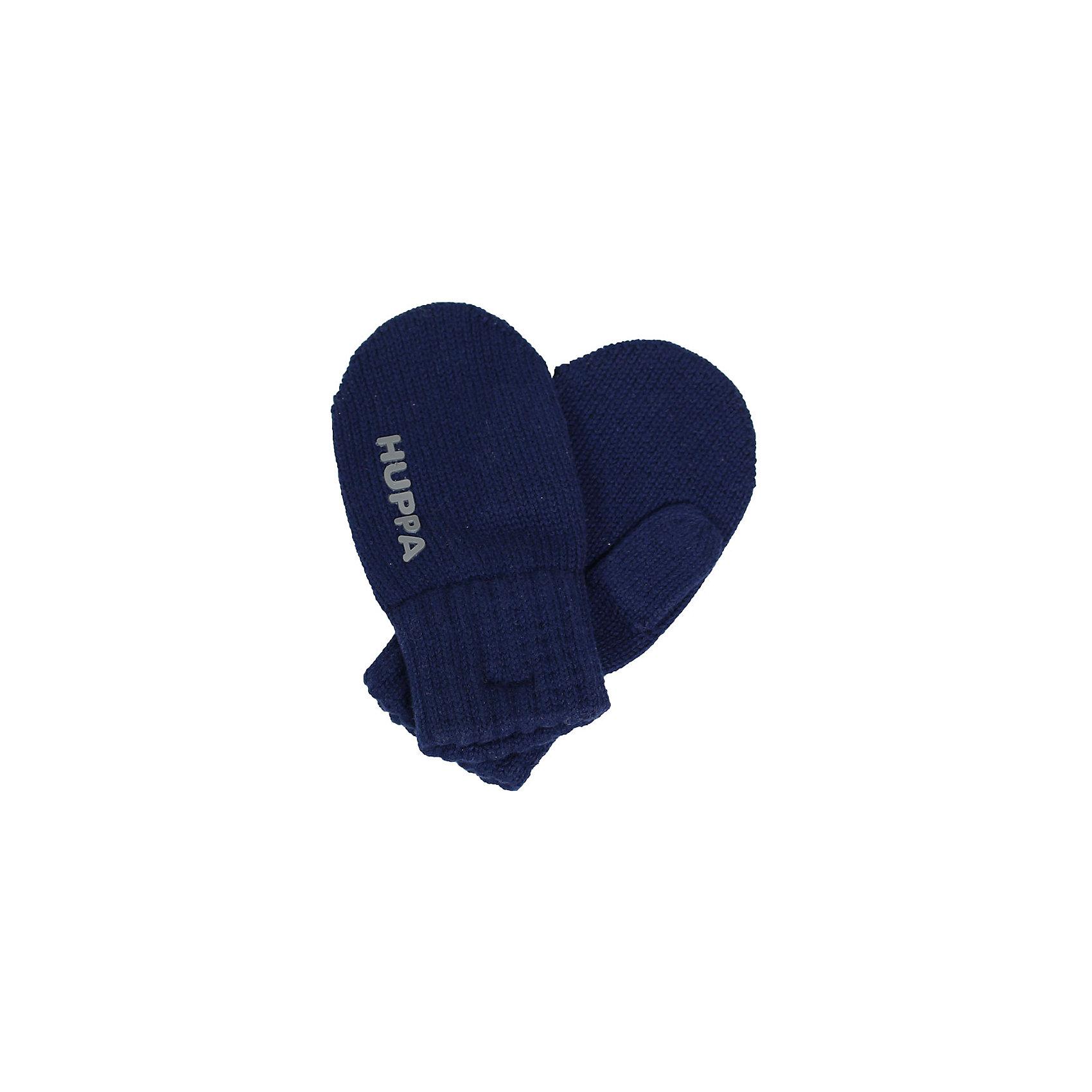Варежки SKIPPY для мальчика HuppaПерчатки, варежки<br>Характеристики товара:<br><br>• цвет: тёмно-синий<br>• состав: 100% хлопок<br>• температурный режим: от 0°С до +10°С<br>• мягкая пряжа<br>• логотип<br>• широкая мягкая резинка<br>• комфортная посадка<br>• страна бренда: Эстония<br><br>Эти варежки обеспечат детям тепло и комфорт в межсезонье. Они сделаны из мягкого дышащего хлопкового материала, поэтому изделие идеально подходит для межсезонья. Варежки очень симпатично смотрятся. Модель была разработана специально для детей.<br><br>Одежда и обувь от популярного эстонского бренда Huppa - отличный вариант одеть ребенка можно и комфортно. Вещи, выпускаемые компанией, качественные, продуманные и очень удобные. Для производства изделий используются только безопасные для детей материалы. Продукция от Huppa порадует и детей, и их родителей!<br><br>Варежки SKIPPY от бренда Huppa (Хуппа) можно купить в нашем интернет-магазине.<br><br>Ширина мм: 162<br>Глубина мм: 171<br>Высота мм: 55<br>Вес г: 119<br>Цвет: синий<br>Возраст от месяцев: 0<br>Возраст до месяцев: 12<br>Пол: Мужской<br>Возраст: Детский<br>Размер: 0,4,3,2,1<br>SKU: 5347984