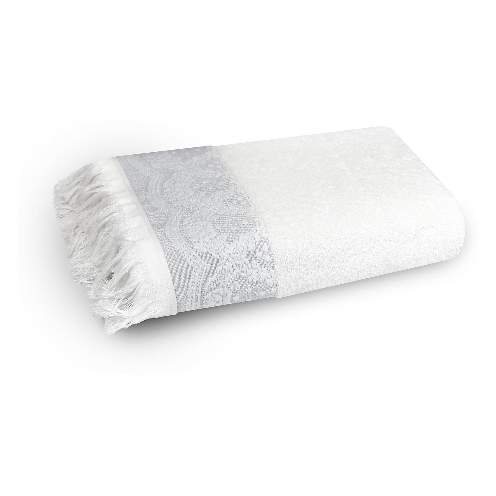 Полотенце махровое 50*90 Белладжио, Cozy Home, белыйВанная комната<br>Полотенце махровое 50*90 Белладжио, Cozy Home (Кози Хоум), белый<br><br>Характеристики:<br><br>• декорировано бахромой и вышивкой<br>• хорошо впитывает влагу<br>• изысканный дизайн<br>• материал: хлопок<br>• размер: 50х90 см<br>• цвет: белый<br><br>Махровое полотенце Белладжио имеет изысканный дизайн с приятными элементами декора. Полотенце дополнено красивым узором в итальянском стиле и бахромой по краю. Изделие выполнено из натурального хлопка. Полотенца из хлопка хорошо впитывают влагу, обладают антибактериальными свойствами и не вызывают раздражения на коже. Также, вы можете быть уверены, что полотенце не изменится в размере и не потеряет свой цвет после многочисленных стирок. Приятный цвет полотенца отлично подойдет к любой ванной комнате.<br><br>Полотенце махровое 50*90 Белладжио, Cozy Home (Кози Хоум), белый вы можете купить в нашем интернет-магазине.<br><br>Ширина мм: 150<br>Глубина мм: 250<br>Высота мм: 150<br>Вес г: 250<br>Возраст от месяцев: 0<br>Возраст до месяцев: 216<br>Пол: Унисекс<br>Возраст: Детский<br>SKU: 5355280