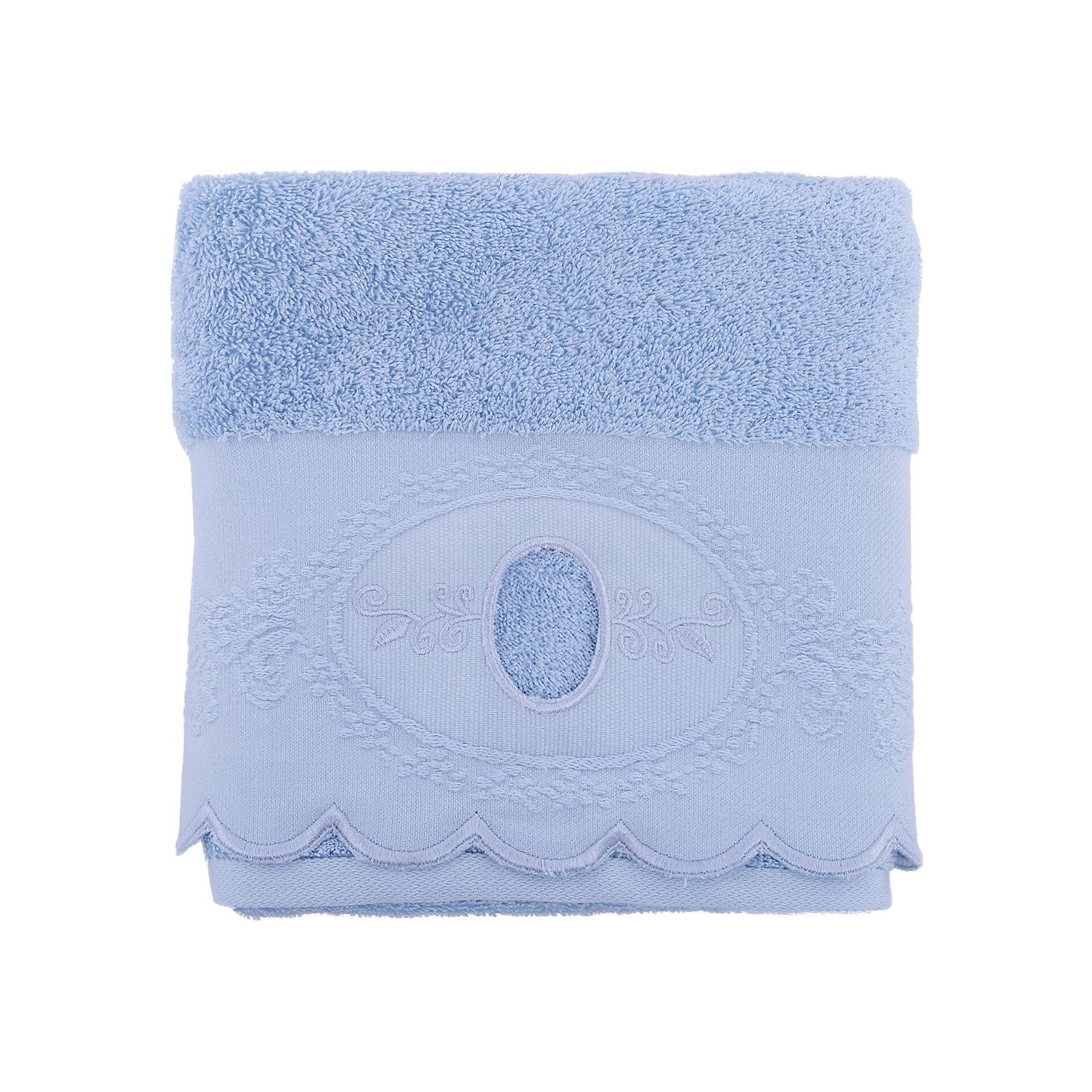 Полотенце махровое 50*90 Жаклин, Cozy Home, голубойВанная комната<br>Полотенце махровое 50*90 Жаклин, Cozy Home (Кози Хоум), голубой<br><br>Характеристики:<br><br>• хорошо впитывает влагу<br>• изысканный дизайн<br>• материал: хлопок<br>• размер: 50х90 см<br>• цвет: голубой<br><br>Махровое полотенце от Cozy Home порадует вас своей мягкостью и прочностью. Оно изготовлено из качественного хлопка. Как известно, хлопок - гипоаллергенный материал, приятный телу. Он не теряет свою форму, практически не мнется и даже обладает антибактериальными свойствами. Полотенца из хлопка хорошо впитывают влагу, обладая высокой гигроскопичностью. Полотенце дополнено волнистым узором, вышивкой по краю и отлично подойдет к любому интерьеру ванной комнаты.<br><br>Полотенце махровое 50*90 Жаклин, Cozy Home (Кози Хоум), голубой вы можете купить в нашем интернет-магазине.<br><br>Ширина мм: 150<br>Глубина мм: 250<br>Высота мм: 150<br>Вес г: 250<br>Возраст от месяцев: 0<br>Возраст до месяцев: 216<br>Пол: Унисекс<br>Возраст: Детский<br>SKU: 5355283