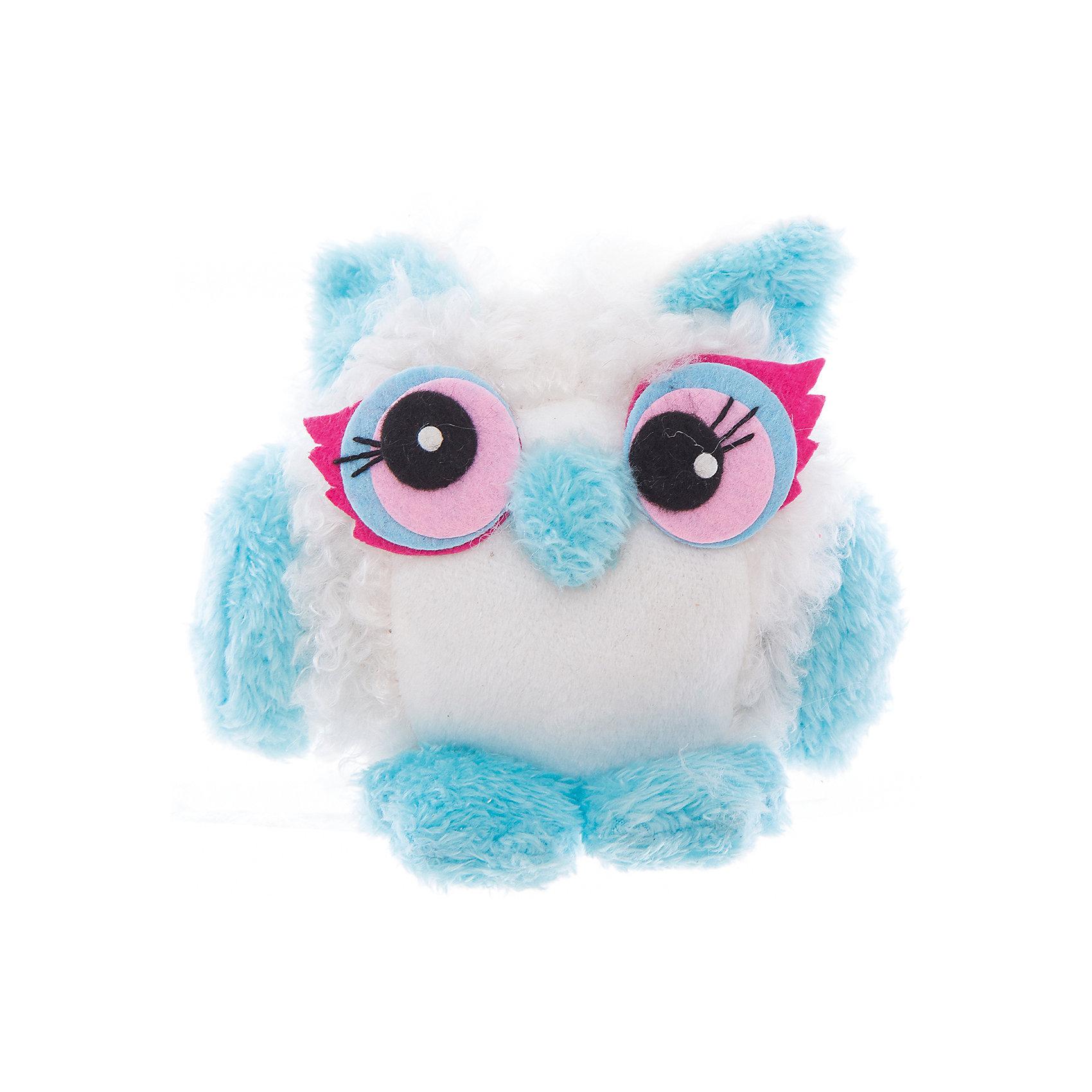Интерьерная кукла Совушка C21-066009, EstroПредметы интерьера<br>Характеристики интерьерной куклы:<br><br>- размеры: 25*12*8 см. <br>- тип игрушки: животные, мягкая игрушка<br>- персонаж: сова<br>- вид упаковки: коробка<br>- возрастные ограничения: 3+<br>- комплектация: игрушка <br>- состав: полиэстер, полиэфир<br>- материал изготовления: высококачественный пластик, полиэстер, ткань<br>- стиль: классический, прованс<br>- бренд: Estro <br>- страна бренда: Италия<br>- страна производитель: Китай<br><br>Голубой совенок торговой марки Estro будет отличным спутником для любителя мягких игрушек. Игрушка изготовлена из качественных материалов приятной расцветки. Ее внешний вид продуман до мелочей, учитывая все нюансы. Совенок окрашен в голубой, серый цвет. <br><br>Интерьерную куклу сова итальянской торговой марки Estro можно купить в нашем интернет-магазине.<br><br>Ширина мм: 100<br>Глубина мм: 150<br>Высота мм: 150<br>Вес г: 68<br>Возраст от месяцев: 36<br>Возраст до месяцев: 1188<br>Пол: Женский<br>Возраст: Детский<br>SKU: 5356630