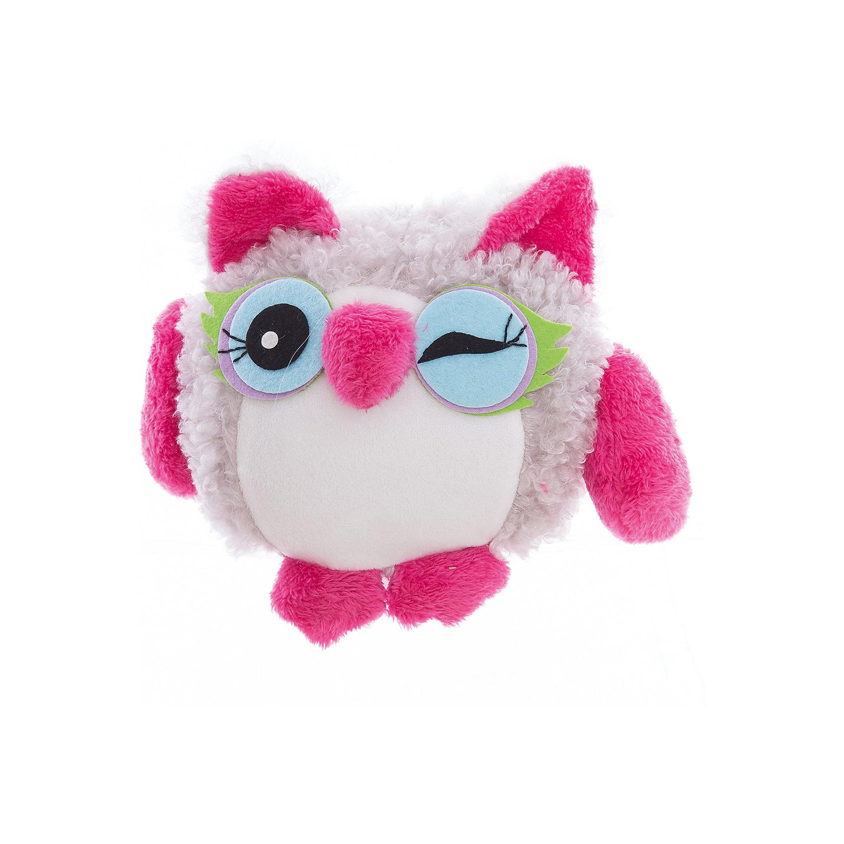 Интерьерная кукла Совушка C21-106011, EstroПредметы интерьера<br>Характеристики интерьерной куклы:<br><br>- размеры: 25*12*8 см. <br>- тип игрушки: животные, мягкая игрушка<br>- персонаж: сова<br>- вид упаковки: коробка<br>- возрастные ограничения: 3+<br>- комплектация: игрушка <br>- состав: полиэстер, полиэфир<br>- материал изготовления: высококачественный пластик, полиэстер, ткань<br>- стиль: классический, прованс<br>- бренд: Estro <br>- страна бренда: Италия<br>- страна производитель: Китай<br><br>Подмигивающий совенок итальянской торговой марки Estro выполнен в виде мягкой игрушки и будет Вас радовать. Игрушку по достоинству оценят все любители мягких игрушек, она изготовлена из качественных материалов приятной расцветки. Ее внешний вид продуман до мелочей. Совенок окрашен в малиновый, серый цвет. <br><br>Интерьерную куклу сова итальянской торговой марки Estro можно купить в нашем интернет-магазине.<br><br>Ширина мм: 200<br>Глубина мм: 200<br>Высота мм: 250<br>Вес г: 166<br>Возраст от месяцев: 36<br>Возраст до месяцев: 1188<br>Пол: Женский<br>Возраст: Детский<br>SKU: 5356632