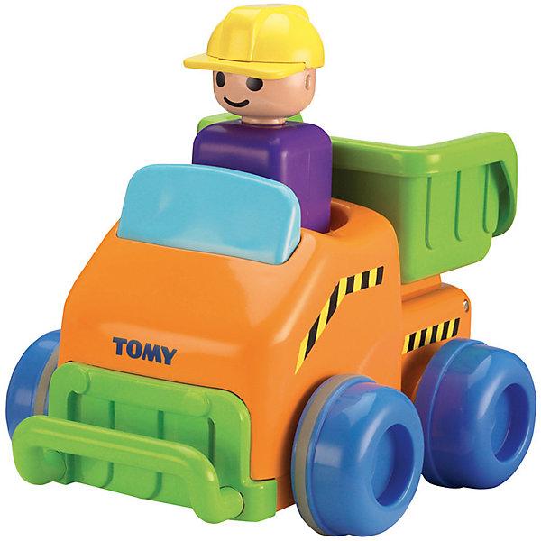 Грузовичок Нажимай и гоняй, TOMYИгрушечные машинки-каталки<br>Грузовичок Нажимай и гоняй, TOMY (Томи). <br><br>Характеристика:<br><br>• Материал: пластик, металл. <br>• Размер упаковки: 21x12x17 см. <br>• Подвижные колеса. <br>• Если нажать на голову водителя, машина поедет вперед. <br>• Яркий привлекательный дизайн. <br>• Не имеет острых углов. <br>• Развивает моторику, цветовосприятие. <br><br>Яркий грузовичок обязательно привлечет внимание малышей и сделает игры крохи еще интереснее и веселее. Стоит только нажать на шлем водителя, как машинка быстро поедет вперед. Игрушка выполнена из высококачественных нетоксичных материалов, не имеет острых углов, абсолютно безопасна для детей. <br><br>Грузовичок Нажимай и гоняй, TOMY (Томи), можно купить в нашем интернет-магазине.<br><br>Ширина мм: 120<br>Глубина мм: 210<br>Высота мм: 170<br>Вес г: 80<br>Возраст от месяцев: 12<br>Возраст до месяцев: 60<br>Пол: Мужской<br>Возраст: Детский<br>SKU: 5361380