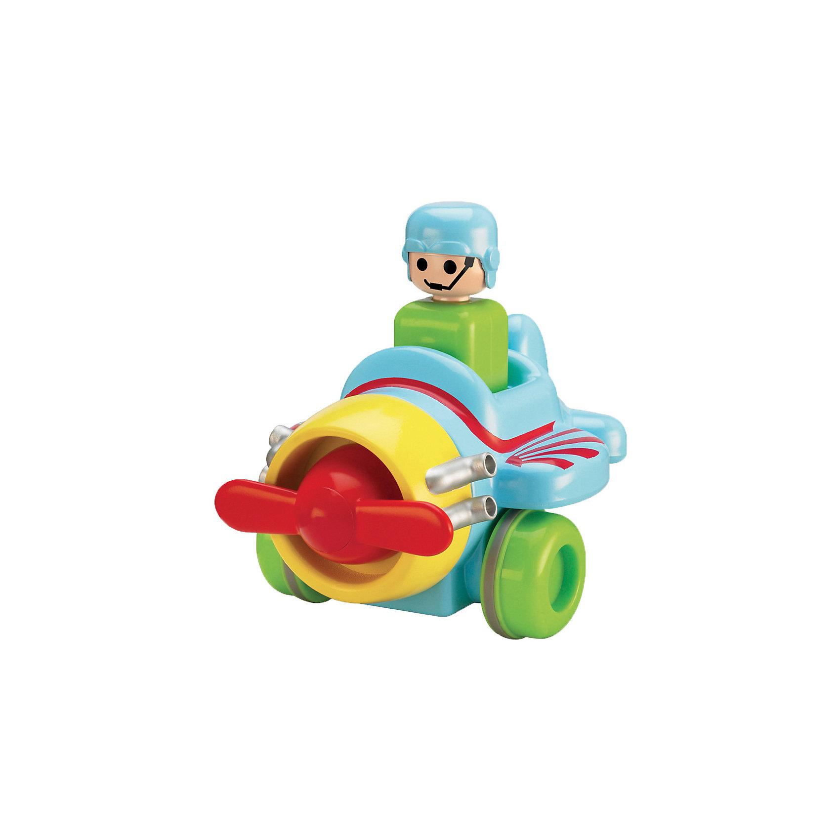 Самолёт Нажимай и гоняй, TOMYМашинки и транспорт для малышей<br>Самолет Нажимай и гоняй, TOMY (Томи).<br><br>Характеристика:<br><br>• Материал: пластик, металл. <br>• Размер упаковки: 13х16х13 см. <br>• Размер: 14 см.<br>• Подвижные колеса. <br>• Если нажать на голову водителя, машина поедет вперед. <br>• Яркий привлекательный дизайн. <br>• Не имеет острых углов. <br>• Развивает моторику, цветовосприятие. <br><br>Яркий самолетик обязательно привлечет внимание малышей и сделает игры крохи еще интереснее и веселее. Стоит только нажать на шлем пилота, как самолет быстро поедет вперед. Игрушка выполнена из высококачественных нетоксичных материалов, не имеет острых углов, абсолютно безопасна для детей. <br><br>Самолет Нажимай и гоняй, TOMY (Томи), можно купить в нашем интернет-магазине.<br><br>Ширина мм: 120<br>Глубина мм: 210<br>Высота мм: 170<br>Вес г: 80<br>Возраст от месяцев: 12<br>Возраст до месяцев: 60<br>Пол: Мужской<br>Возраст: Детский<br>SKU: 5361381