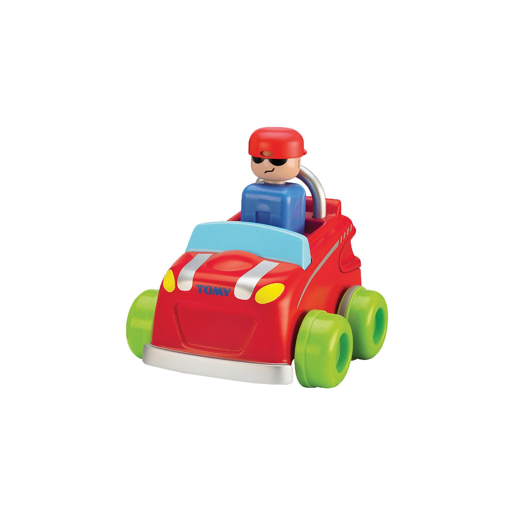 Машинка Нажимай и гоняй, TOMYМашинки и транспорт для малышей<br>Машинка Нажимай и гоняй, TOMY (Томи).<br><br>Характеристика:<br><br>• Материал: пластик, металл. <br>• Размер упаковки: 13х16х13 см. <br>• Размер: 14 см.<br>• Подвижные колеса. <br>• Если нажать на голову водителя, машина поедет вперед. <br>• Яркий привлекательный дизайн. <br>• Не имеет острых углов. <br>• Развивает моторику, цветовосприятие. <br><br>Яркая машинка обязательно привлечет внимание малышей и сделает игры крохи еще интереснее и веселее. Стоит только нажать на шлем водителя, как автомобильчик быстро поедет вперед. Игрушка выполнена из высококачественных нетоксичных материалов, не имеет острых углов, абсолютно безопасна для детей. <br><br>Машинку Нажимай и гоняй, TOMY (Томи), можно купить в нашем интернет-магазине.<br><br>Ширина мм: 120<br>Глубина мм: 210<br>Высота мм: 170<br>Вес г: 80<br>Возраст от месяцев: 12<br>Возраст до месяцев: 60<br>Пол: Мужской<br>Возраст: Детский<br>SKU: 5361382