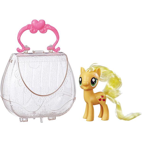 Пони в сумочке, My little Pony, ЭпплджекИгрушки<br>Характеристики:<br><br>• Вид игр: сюжетно-ролевые, коллекционирование<br>• Пол: для девочек<br>• Коллекция: My little Pony<br>• Материал: пластик, нейлон<br>• Высота фигурки: 7,5 см<br>• Комплектация: фигурка пони, прозрачная пластмассовая сумочка-кошелек<br>• Вес в упаковке: 150 г<br>• Размеры упаковки (Г*Ш*В): 15*4,5*16,2 см<br>• Упаковка: без упаковки на европодвесе<br><br>Пони в сумочке: Эпплджек, My little Pony, B8952/B9826 – это новая коллекция бренда My little Pony от Хасбро. В коллекции представлены фигурки Эпплджек, Рарити и Искорки. Особенности этой коллекции заключаются в том, что в комплекте предусмотрена прозрачная сумочка-кошелек. В эту сумочку с легкостью помещаются фигурки. У сумочки предусмотрена ручка и ножки, которые ее делают устойчивой, благодаря чему ее можно использовать как футляр для хранения игрушки на полке. Сумочка выполнена в стильном дизайне: ажурные узоры и яркая ручка делают ее стильным аксессуаром для девочки. Фигурки выполнены из экологически безопасного и прочного пластика, который устойчив к физическим и механическим повреждениям, окрашены нетоксичными яркими красками, которые не изменяют свой цвет даже при длительной эксплуатации. Игры с такими фигурками будут способствовать развитию фантазии, воображения, научат девочку следить за своим внешним видом. Пони в сумочке: Эпплджек, My little Pony, B8952/B9826 – это замечательный подарок для девочки к любому празднику!<br><br>Пони в сумочке: Эпплджек, My little Pony, B8952/B9826 можно купить в нашем интернет-магазине.<br>Ширина мм: 64; Глубина мм: 146; Высота мм: 273; Вес г: 203; Возраст от месяцев: 36; Возраст до месяцев: 120; Пол: Женский; Возраст: Детский; SKU: 5363512;