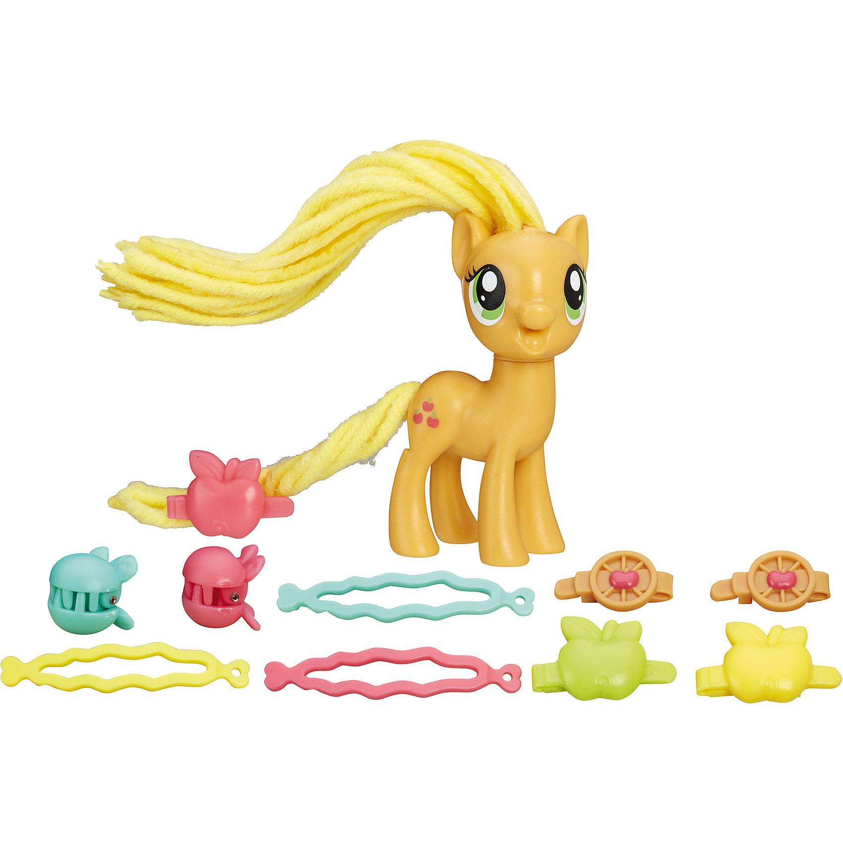 Пони с праздничными прическами, My little Pony, Эпплджек B8809/B9617Характеристики:<br><br>• Вид игр: сюжетно-ролевые, коллекционирование<br>• Пол: для девочек<br>• Коллекция: My little Pony<br>• Материал: пластик<br>• Высота фигурки: 7,5 см<br>• Комплектация: фигурка пони, плойка, ленточки для прически<br>• Гриву и хвост можно завивать и укладывать в разные прически<br>• Голова пони поворачивается в стороны<br>• На фигурке имеется сканируемая метка, которая открывает доступ и дополнительные возможности в бесплатном мобильном приложении My Little Pony Friendship Celebration<br>• Вес в упаковке: 210 г<br>• Размеры упаковки (Г*Ш*В): 27*7,5*24 см<br>• Упаковка: блистер на картонной подложке<br><br>Пони с праздничными прическами: Эпплджек, My little Pony, B8809/B9617 – это новая коллекция бренда My little Pony от Хасбро. В коллекции представлены фигурки Эпплджек, Рарити и Пинки Пай. Особенности этой коллекции заключаются в том, что у фигурок пони гривы и хвостики выполнены из материала, который можно завивать плойкой или накручивать на бигуди. Эти инструменты для создания локонов предусмотрены в комплекте. Благодаря такой завивки можно создать красивые локоны у пони, которые долго держаться. Для создания праздничной прически в зависимости от комплекта в наборе предусмотрены разноцветные заколки и ленточки. Фигурки и аксессуары выполнены из экологически безопасного и прочного пластика, который устойчив к физическим и механическим повреждениям, окрашены нетоксичными яркими красками, которые не изменяют свой цвет даже при длительной эксплуатации. Игры с такими фигурками будут способствовать развитию фантазии, воображения, научат девочку следить за своим внешним видом. Пони с праздничными прическами: Эпплджек, My little Pony, B8809/B9617 – это замечательный подарок для девочки к любому празднику!<br><br>Пони с праздничными прическами: Эпплджек, My little Pony, B8809/B9617 можно купить в нашем интернет-магазине.<br><br>Ширина мм: 52<br>Глубина мм: 206<br>Высота мм: 197<br>Ве