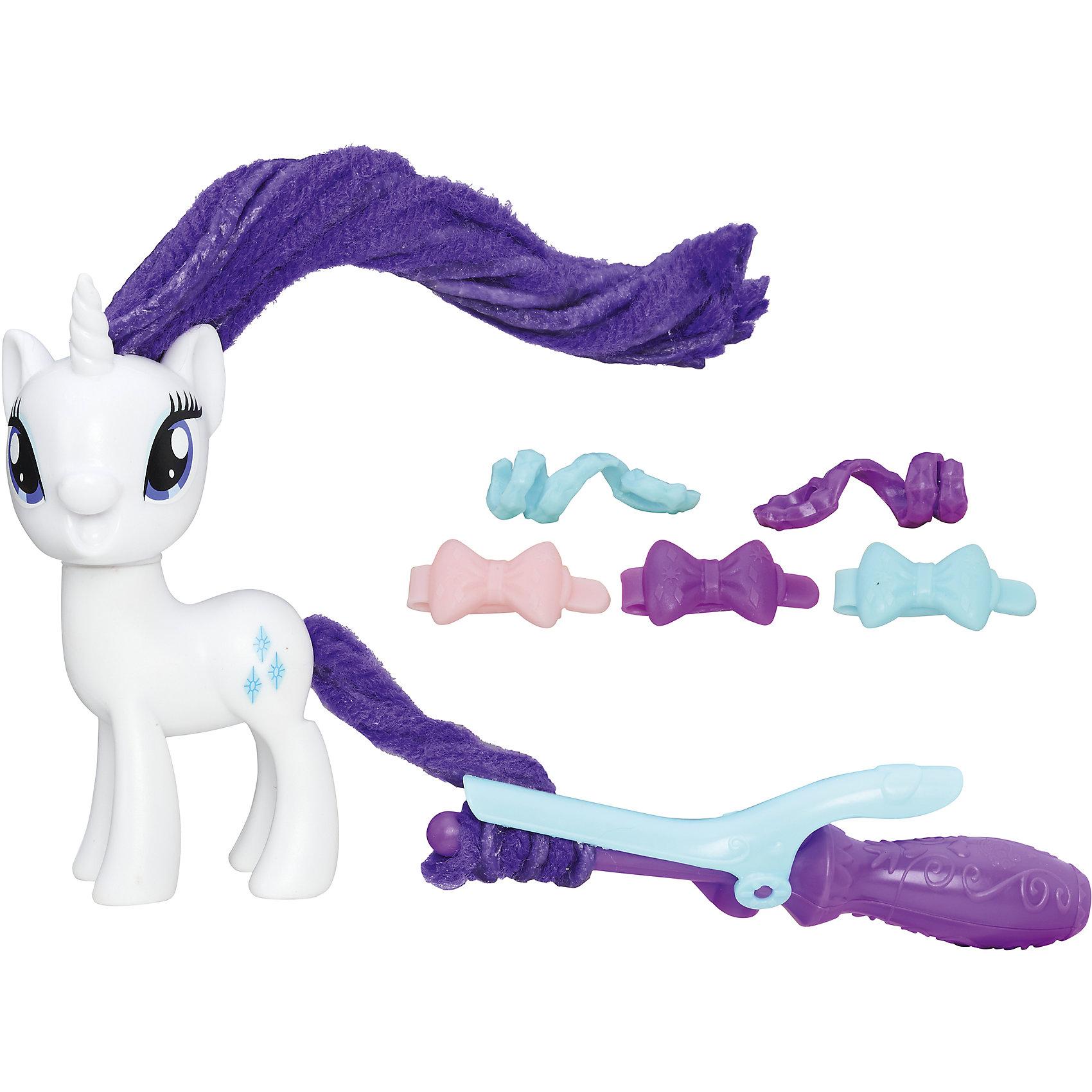 Пони с праздничными прическами, My little Pony, Рарити B8809/B9619Характеристики:<br><br>• Вид игр: сюжетно-ролевые, коллекционирование<br>• Пол: для девочек<br>• Коллекция: My little Pony<br>• Материал: пластик<br>• Высота фигурки: 7,5 см<br>• Комплектация: фигурка пони, плойка, ленточка и 3 заколки для прически<br>• Гриву и хвост можно завивать и укладывать в разные прически<br>• Голова пони поворачивается в стороны<br>• На фигурке имеется сканируемая метка, которая открывает доступ и дополнительные возможности в бесплатном мобильном приложении My Little Pony Friendship Celebration<br>• Вес в упаковке: 210 г<br>• Размеры упаковки (Г*Ш*В): 27*7,5*24 см<br>• Упаковка: блистер на картонной подложке<br><br>Пони с праздничными прическами: Рарити, My little Pony, B8809/B9619 – это новая коллекция бренда My little Pony от Хасбро. В коллекции представлены фигурки Эпплджек, Рарити и Пинки Пай. Особенности этой коллекции заключаются в том, что у фигурок пони гривы и хвостики выполнены из материала, который можно завивать плойкой или накручивать на бигуди. Эти инструменты для создания локонов предусмотрены в комплекте. Благодаря такой завивки можно создать красивые локоны у пони, которые долго держаться. Для создания праздничной прически в зависимости от комплекта в наборе предусмотрены разноцветные заколки и ленточки. Фигурки и аксессуары выполнены из экологически безопасного и прочного пластика, который устойчив к физическим и механическим повреждениям, окрашены нетоксичными яркими красками, которые не изменяют свой цвет даже при длительной эксплуатации. Игры с такими фигурками будут способствовать развитию фантазии, воображения, научат девочку следить за своим внешним видом. Пони с праздничными прическами: Рарити, My little Pony, B8809/B9619 – это замечательный подарок для девочки к любому празднику!<br><br>Пони с праздничными прическами: Рарити, My little Pony, B8809/B9619 можно купить в нашем интернет-магазине.<br><br>Ширина мм: 52<br>Глубина мм: 206<br>Высота мм: 197<b