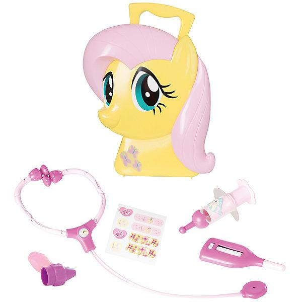 Набор доктора My Little Pony, HTIНаборы доктора и ветеринара<br>Набор доктора My Little Pony (Май литл Пони), HTI.<br><br>Характеристика: <br><br>• Материал: пластик. <br>• Размер: 20х30х8,5 см. <br>• Комплектация: стетоскоп, градусник, молоточек, шприц, лейкопластырь.<br>• Яркий привлекательный дизайн. <br>• Чемоданчик в виде головы Флаттершай. <br><br>С этим набором девочка сможет почувствовать себя настоящим врачом. Чемоданчик, выполненный в виде головы Флаттершай, приведет в восторг всех поклонниц My Little Pony (Моя маленькая Пони). В комплекте: стетоскоп, градусник, молоточек, шприц, лейкопластырь. Все детали набора изготовлены из высококачественного нетоксичного пластика, отлично детализированы и реалистично раскрашены.   <br><br>Набор доктора My Little Pony (Май литл Пони), HTI, можно купить в нашем интернет-магазине.<br><br>Ширина мм: 300<br>Глубина мм: 200<br>Высота мм: 82<br>Вес г: 452<br>Возраст от месяцев: 36<br>Возраст до месяцев: 168<br>Пол: Женский<br>Возраст: Детский<br>SKU: 5366513