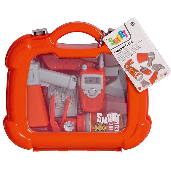 Набор пожарного в кейсе, HTIНаборы полицейского, пожарного<br>Набор пожарного в кейсе, HTI.<br><br>Характеристика: <br><br>• Материал: пластик. <br>• Размер упаковки: 28x24,4x8,5 см. <br>• Комплектация: фонарик, топорик, рупор, огнетушитель, жетон и рация. <br>• Удобные застежки. <br>• Ручка для переноски. <br>• Реалистичная детализация. <br><br>В этом наборе есть все, чтобы почувствовать себя настоящим пожарным! Все аксессуары прекрасно детализированы, изготовлены из высококачественного прочного пластика. Отличный вариант для увлекательных сюжетно-ролевых игр. <br><br>Набор пожарного в кейсе, HTI, можно купить в нашем интернет-магазине.<br>Ширина мм: 235; Глубина мм: 250; Высота мм: 80; Вес г: 500; Возраст от месяцев: 36; Возраст до месяцев: 168; Пол: Мужской; Возраст: Детский; SKU: 5366549;