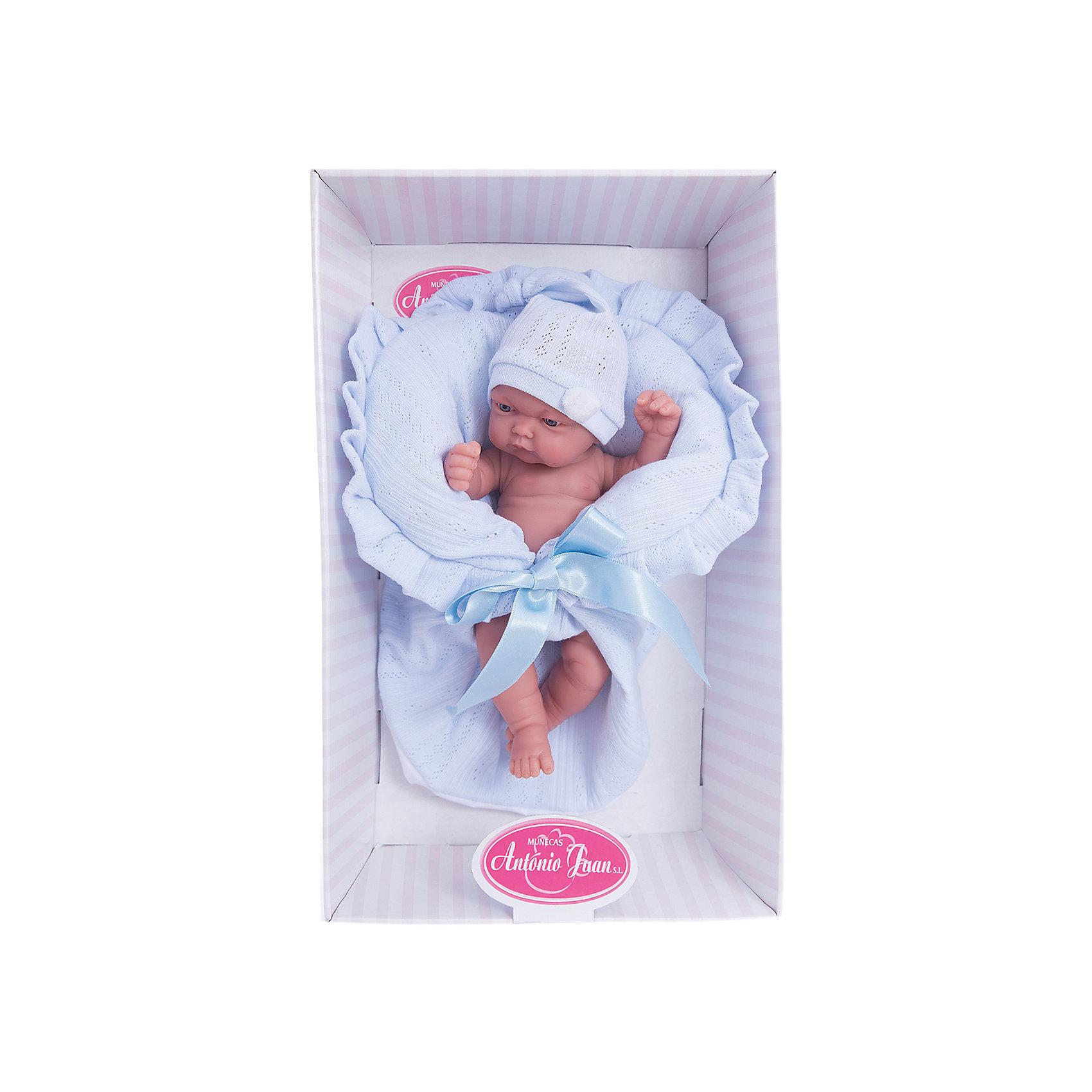Кукла-младенец Леон в голубом, 26 см, Munecas Antonio JuanКуклы<br>Характеристики товара:<br><br>• возраст: от 3 лет;<br>• материал: винил, текстиль;<br>• в комплекте: кукла, одежда, одеяло;<br>• высота куклы: 26 см;<br>• размер упаковки: 30х17х12 см;<br>• вес упаковки: 640 гр.;<br>• страна производитель: Испания.<br><br>Кукла-младенец Леон в голубом Munecas Antonio Juan — очаровательный малыш с выразительными глазками и пухлыми щечками. Кукла одета в шапочку и трусики. В комплекте вязаное одеяло, укутав в которое пупса, он будет сладко спать.<br><br>У куклы подвижные ручки и ножки. Игра с куклой привьет девочке чувство заботы, помощи, ответственности и любви. Кукла выполнена из качественных безопасных материалов.<br><br>Куклу-младенца Леон в голубом Munecas Antonio Juan можно приобрести в нашем интернет-магазине.<br><br>Ширина мм: 315<br>Глубина мм: 105<br>Высота мм: 180<br>Вес г: 1260<br>Возраст от месяцев: 36<br>Возраст до месяцев: 2147483647<br>Пол: Женский<br>Возраст: Детский<br>SKU: 5367049