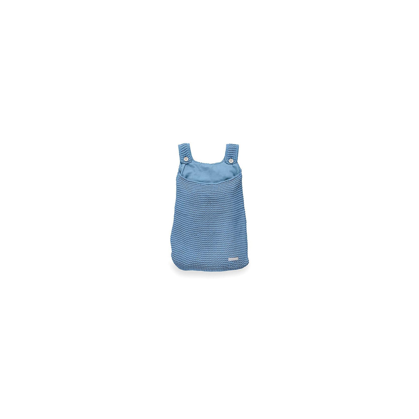 Сумка на кроватку, Jollein, BlueКорзины для игрушек<br>Характеристики:<br><br>• Вид детского текстиля: сумка на детскую кроватку<br>• Предназначение: для хранения детских текстильных принадлежностей<br>• Пол: универсальный<br>• Коллекция: Heavy knit (Крупная вязка)<br>• Цвет: голубой<br>• Тематика рисунка: без рисунка<br>• Крепится к кроватке за счет лямок на пуговицах<br>• Универсальный размер, подходит для любых моделей детских кроваток<br>• Материал: 50% хлопок, 50% акрил<br>• Размер: 50*40 см<br>• Особенности ухода: машинная или ручная стирка при температуре не более 30 градусов<br><br>Сумка на кроватку, Jollein, Blue от торговой марки Жолляйн, которая является признанным лидером среди аналогичных брендов, выпускающих детское постельное белье и текстиль для новорожденных. Продукция этого торгового бренда отличается высоким качеством и дизайнерским стилем. Сумка на кроватку Jollein, Blue выполнена из вязаного полотна, в состав которого входит хлопок и акрил. Такое сочетание обеспечивает прочность и долговечность изделия: оно не потеряет форму и на нем не будут образовываться катышки даже при частных стирках и длительной эксплуатации. <br><br>Изделие выполнено в форме сумки с двумя лямками на пуговицах, с помощью которых она крепится к бортику кроватки. У сумки имеется подклад. Изделие имеет дизайнерский стиль марки Жолляйн – сдержанный минимализм: однотонное полотно, выполненное крупной вязкой. <br>Сумка на кроватку, Jollein, Blue – это не только порядок и уют, это еще и стильный аксессуар для детской комнаты вашего малыша! <br><br>Сумку на кроватку, Jollein, Blue можно купить в нашем интернет-магазине.<br><br>Ширина мм: 250<br>Глубина мм: 400<br>Высота мм: 50<br>Вес г: 500<br>Возраст от месяцев: 0<br>Возраст до месяцев: 36<br>Пол: Унисекс<br>Возраст: Детский<br>SKU: 5367094