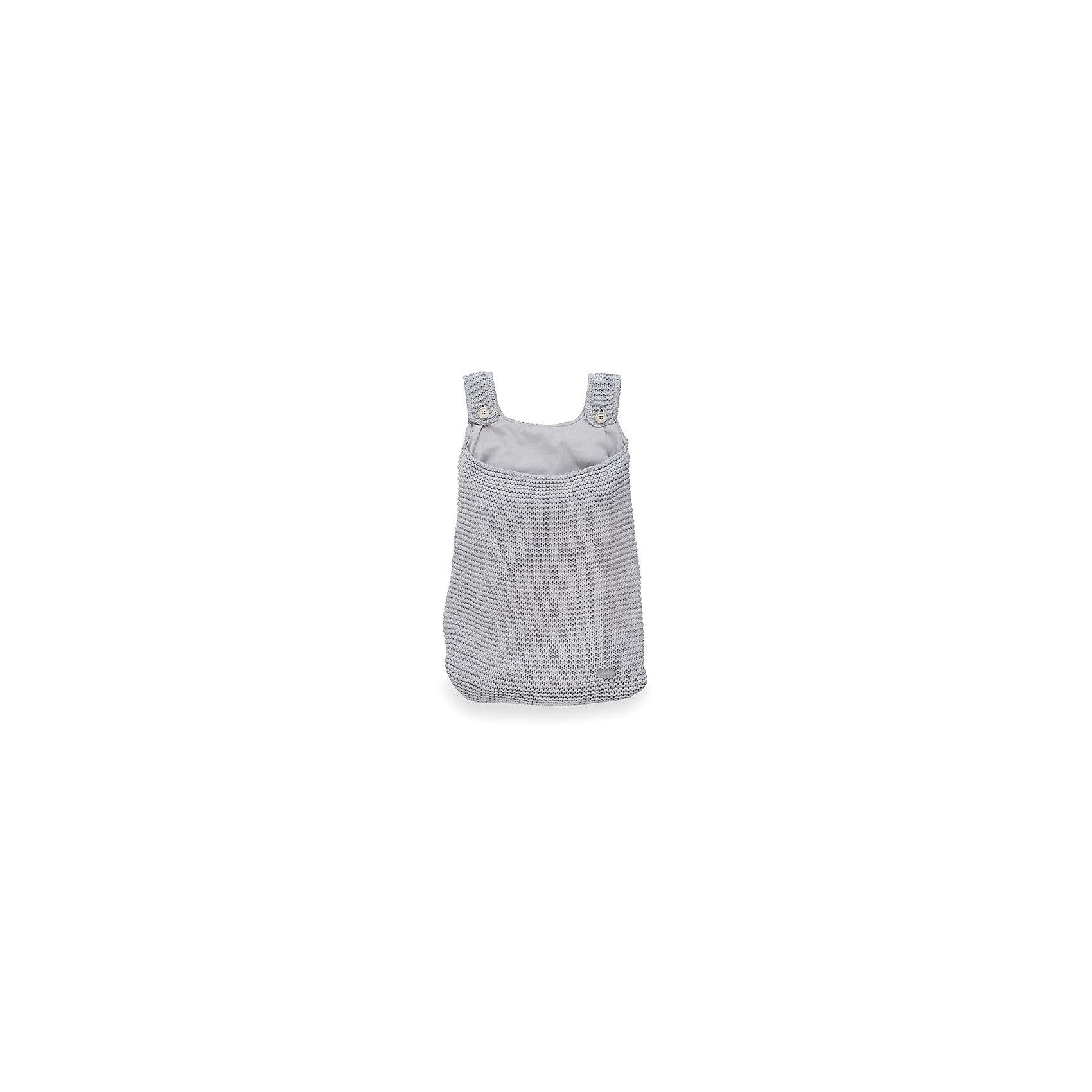 Сумка на кроватку, Jollein, Light greyПорядок в детской<br>Характеристики:<br><br>• Вид детского текстиля: сумка на детскую кроватку<br>• Предназначение: для хранения детских текстильных принадлежностей<br>• Пол: универсальный<br>• Коллекция: Heavy knit (Крупная вязка)<br>• Цвет: серый<br>• Тематика рисунка: без рисунка<br>• Крепится к кроватке за счет лямок на пуговицах<br>• Универсальный размер, подходит для любых моделей детских кроваток<br>• Материал: 50% хлопок, 50% акрил<br>• Размер: 50*40 см<br>• Особенности ухода: машинная или ручная стирка при температуре не более 30 градусов<br><br>Сумка на кроватку, Jollein, Light grey от торговой марки Жолляйн, которая является признанным лидером среди аналогичных брендов, выпускающих детское постельное белье и текстиль для новорожденных. Продукция этого торгового бренда отличается высоким качеством и дизайнерским стилем. Сумка на кроватку Jollein, Blue выполнена из вязаного полотна, в состав которого входит хлопок и акрил. Такое сочетание обеспечивает прочность и долговечность изделия: оно не потеряет форму и на нем не будут образовываться катышки даже при частных стирках и длительной эксплуатации. <br><br>Изделие выполнено в форме сумки с двумя лямками на пуговицах, с помощью которых она крепится к бортику кроватки. У сумки имеется подклад. Изделие имеет дизайнерский стиль марки Жолляйн – сдержанный минимализм: однотонное полотно, выполненное крупной вязкой. <br>Сумка на кроватку, Jollein, Light grey – это не только порядок и уют, это еще и стильный аксессуар для детской комнаты вашего малыша! <br><br>Сумку на кроватку, Jollein, Light grey можно купить в нашем интернет-магазине.<br><br>Ширина мм: 250<br>Глубина мм: 400<br>Высота мм: 50<br>Вес г: 500<br>Возраст от месяцев: 0<br>Возраст до месяцев: 36<br>Пол: Унисекс<br>Возраст: Детский<br>SKU: 5367095