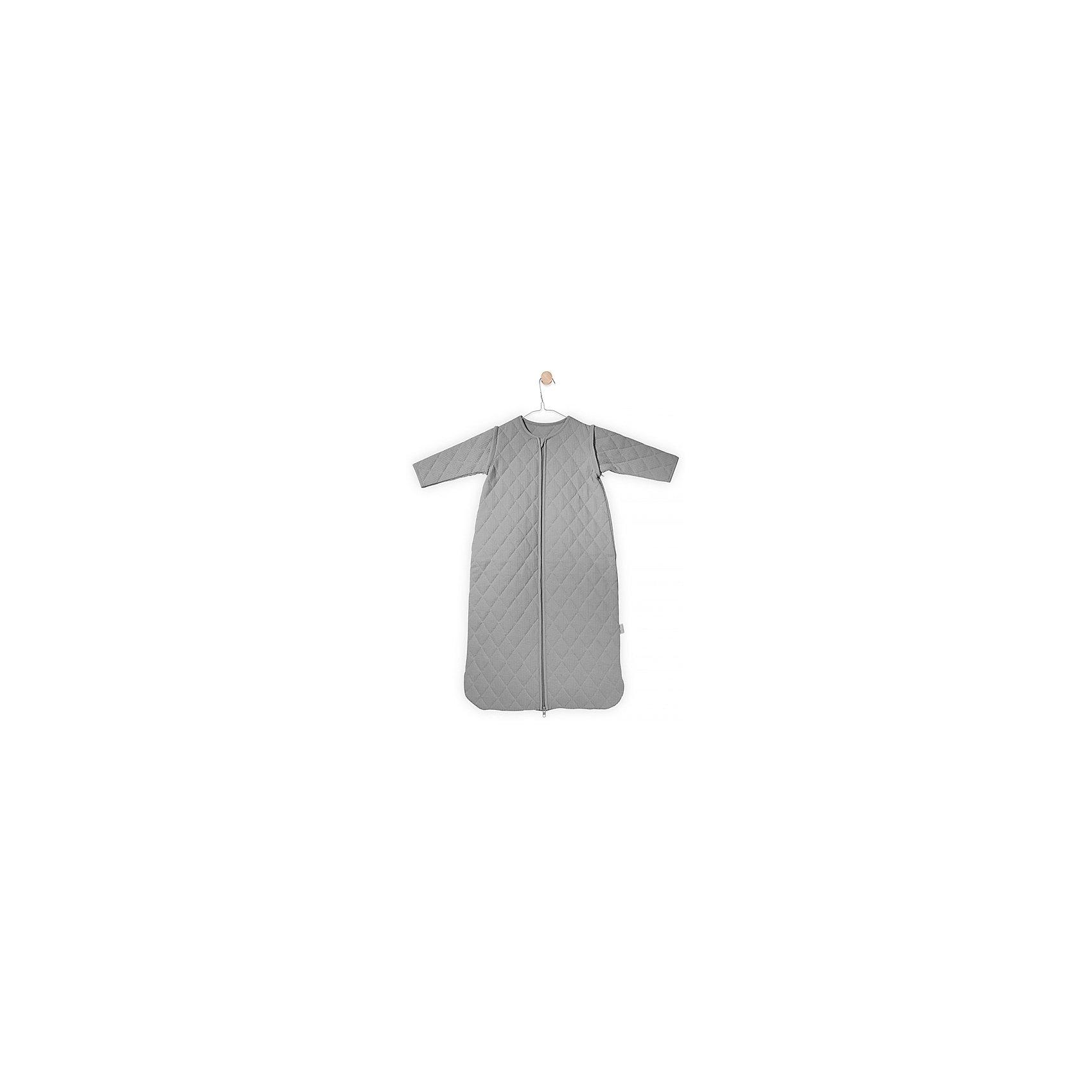 Спальный мешок со съемными рукавами 110 см, Jollein, GreyПеленание<br>Характеристики:<br><br>• Вид детского текстиля: спальный мешок<br>• Пол: универсальный<br>• Сезон: круглый год<br>• Коэффициент тепла (тог): 1,7<br>• Цвет: серый<br>• Тематика рисунка: без рисунка<br>• Форма спального мешка: футляр<br>• Съемные рукава<br>• Застежка молния спереди<br>• Материал: 100% хлопок (джерси)<br>• Размер (Ш*Д): 51*110 см<br>• Вес: 550 г<br>• Особенности ухода: машинная или ручная стирка при температуре не более 40 градусов<br><br>Спальный мешок со съемными рукавами 110 см, Jollein, Grey от торговой марки Жолляйн, которая является признанным лидером среди аналогичных брендов, выпускающих детское постельное белье и текстиль для новорожденных. Продукция этого торгового бренда отличается высоким качеством и дизайнерским стилем. Спальный мешок со съемными рукавами 110 см, Jollein, Grey выполнен из натурального хлопка джерси, который хорошо пропускает воздух, при этом является гипоаллергенным материалом. <br><br>Мешок в форме футляра со съемными рукавами и застежкой-молнией спереди обеспечивает комфорт не только для сна ребенка, но и является очень удобным при переодевании малыша. Изделие имеет средний коэффициент утепленности, в летнее время его можно использовать без нательного белья. Изделие выполнено в дизайнерском стиле марки Жолляйн – сдержанный минимализм: стеганое однотонное полотно стильного серого цвета.<br><br>Спальный мешок со съемными рукавами 110 см, Jollein, Grey можно купить в нашем интернет-магазине.<br><br>Ширина мм: 220<br>Глубина мм: 300<br>Высота мм: 50<br>Вес г: 710<br>Возраст от месяцев: 0<br>Возраст до месяцев: 36<br>Пол: Унисекс<br>Возраст: Детский<br>SKU: 5367099