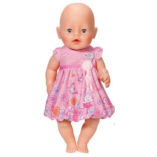 Платье для куклы, розовое, BABY bornОдежда для кукол<br>Характеристики:<br><br>• Тип одежды для куклы: платье<br>• Предназначение: для сюжетно-ролевых игр<br>• Для куклы или пупсов: BABY born<br>• Рост куклы/пупса: от 43 см<br>• Тематика рисунка: цветы<br>• Материал: текстиль <br>• Декор атласной лентой<br>• Застежка: липучка на спинке<br>• В комплекте предусмотрена вешалка<br>• Вес: 59 г<br>• Размеры упаковки (Д*В*Ш): 23,7*4,5*30,7 см<br>• Упаковка: блистер <br>• Особенности ухода: допускается деликатная стирка без использования красящих и отбеливающих средств <br><br>Платье для куклы, розовое, BABY born от немецкого производителя Zapf Creation предназначено для кукол и пупсов серии BABY born. Выполнено из текстиля высокого качества, который устойчив к изменению цвета и формы. Нежное платье отрезное по талии, оформлено атласной лентой. Рукава выполнены в форме крылышек. Изящность платью придает цветочный принт. Сзади на спинке имеется застежка на липучке, благодаря чему легко и удобно будет переодевать куклу. <br><br>Платье для куклы выполнено с детальным соответствием реальным детским вещам. Сюжетно-ролевые игры с переодеванием кукол способствуют не только приобретению навыков комбинирования предметов гардероба, но и формированию чувства стиля и вкуса у девочки. <br><br>Платье для куклы, розовое, BABY born можно купить в нашем интернет-магазине.<br><br>Ширина мм: 237<br>Глубина мм: 307<br>Высота мм: 45<br>Вес г: 59<br>Возраст от месяцев: 36<br>Возраст до месяцев: 60<br>Пол: Женский<br>Возраст: Детский<br>SKU: 5377748