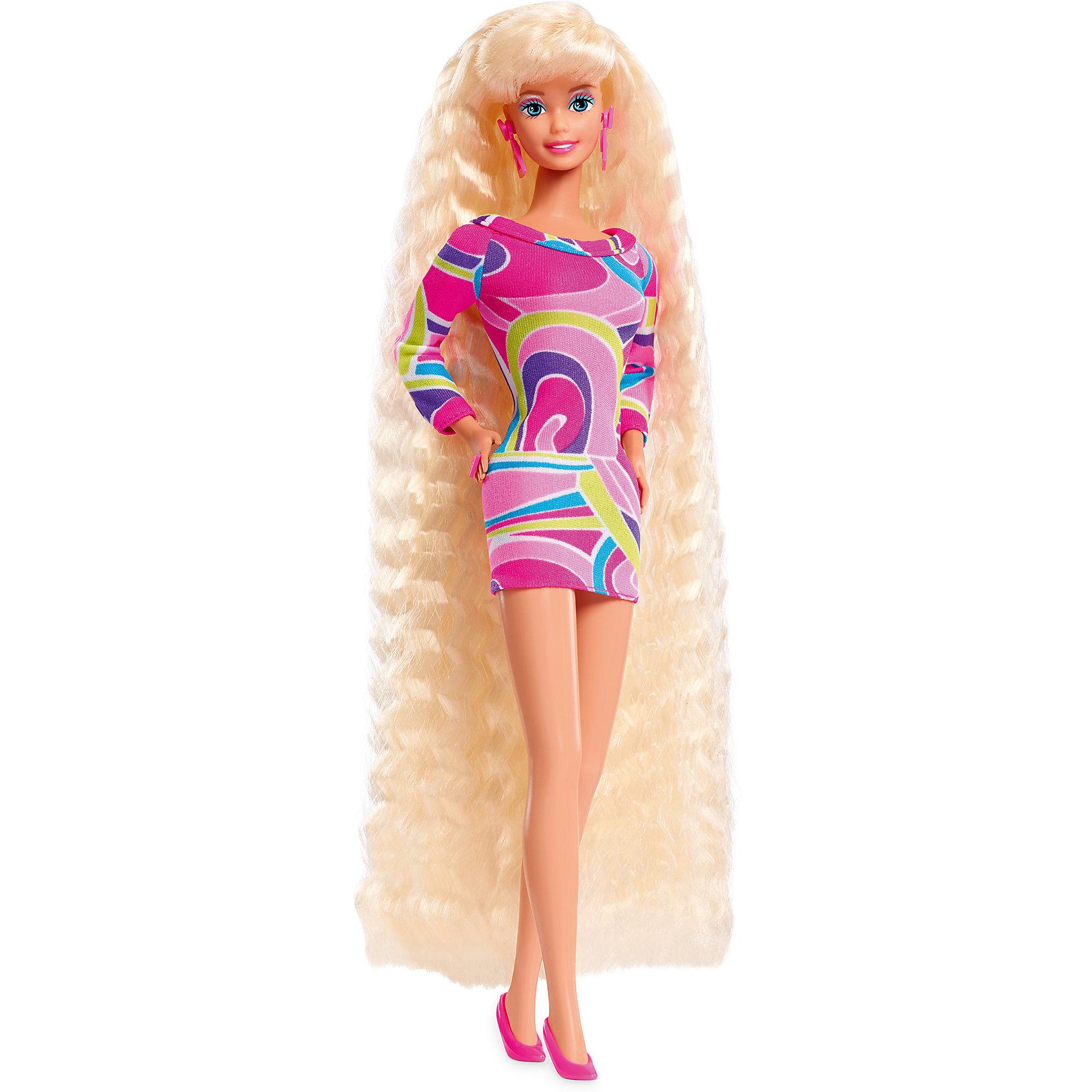 Коллекционная кукла Totally Hair, BarbieКуклы-модели<br>Коллекционная кукла Totally Hair, Barbie.<br><br>Характеристики:<br><br>• возраст: от 6 лет<br>• комплект: кукла, подставка, аксессуары для волос.<br>• высота куклы: 29 см.<br>• состав: пластик, текстиль.<br>• размер упаковки: 34?16?8 см.<br>• упаковка: картонная коробка блистерного типа.<br>• страна обладатель бренда: США.<br><br>В 1992 года кукла Totally Hair стала абсолютным бестселлером на всю историю существования Barbie! Более 10 миллионов кукол было продано по всему миру. В 2017 году кукла ей исполняется 25 лет и в честь этого компания Mattel выпустила точную копию куклы-бестселлера Totally Hair образца 1992 года. Barbie с супер длинными волосами до самых пят. В комплекте с куклой гель для укладки волос и аксессуары для создания невероятно стильных причесок.<br><br>Коллекционную куклу Totally Hair, Barbie можно купить в нашем интернет-магазине.<br><br>Ширина мм: 150<br>Глубина мм: 75<br>Высота мм: 330<br>Вес г: 349<br>Возраст от месяцев: 72<br>Возраст до месяцев: 144<br>Пол: Женский<br>Возраст: Детский<br>SKU: 5378143