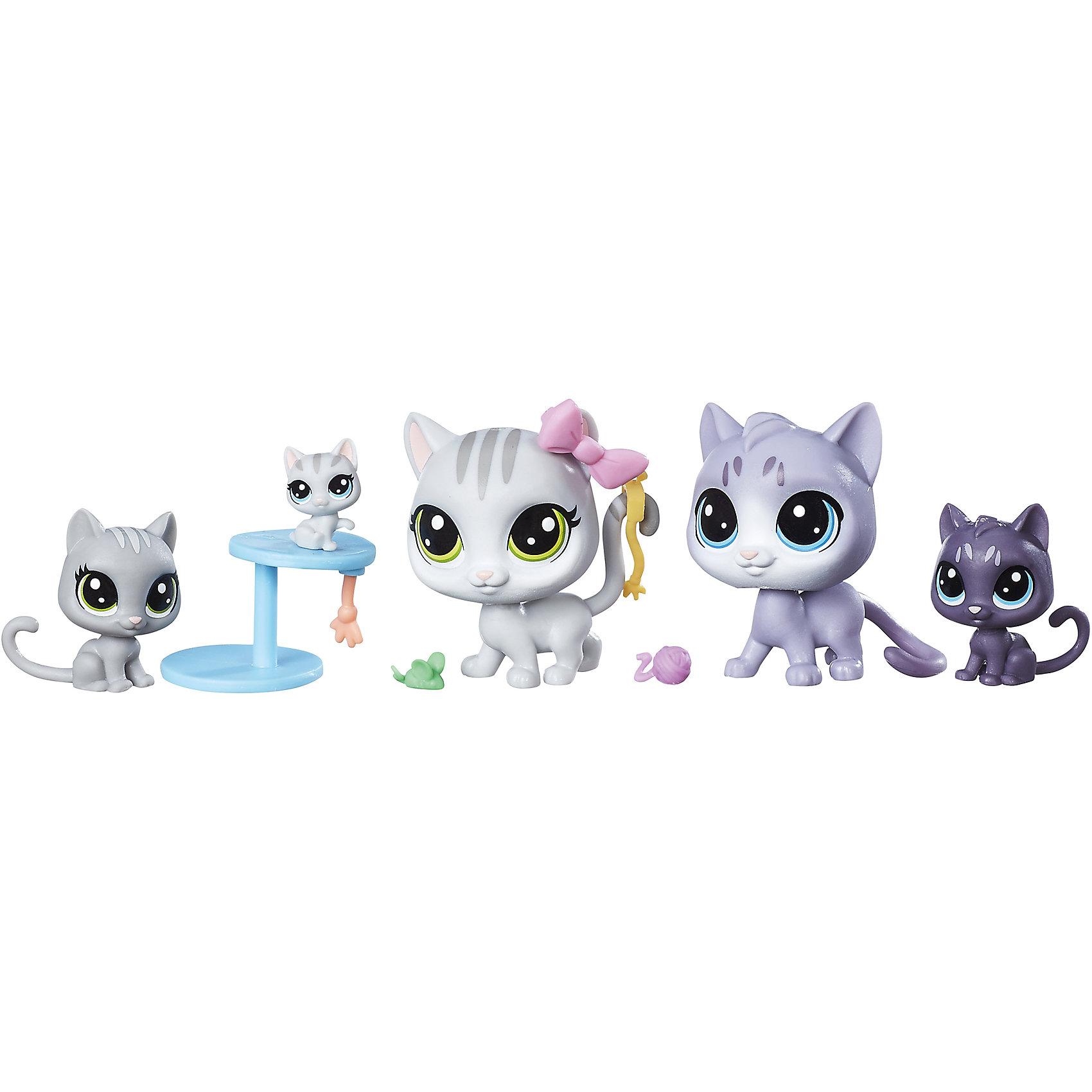 Мини-набор зверюшек, Littlest Pet ShopЛюбимые герои<br>Мини-набор зверюшек, Littlest Pet Shop<br><br>Характеристики:<br><br>- в набор входит: 2 стандартных питомца, 3 мини-питомца<br>- высота стандартного питомца: 5 см.<br>- состав: пластик<br>- для детей в возрасте: от 4 до 10 лет<br>- Страна производитель: Китай<br><br>Знаменитые питомцы Littlest Pet Shop (Литтлест Пэт Шоп) от известного американского бренда товаров для детей Hasbro (Хасбро) получили новый набор с семьей котиков! Серенькие мама и папа котики со своими тремя очаровательными котятами приведут в восторг всех любителей семейства кошачьих. Кошка и кот представлены в стандартном размере питомцев, у кошки красивый аксессуар – бантик. Игривые котята разных оттенков серого выглядят особенно мило благодаря своим большим отлично прорисованным глазкам. Самый маленький котенок сидит на двух ярусной когтеточке. В набор входят две кошачьи игрушки, чтобы котята могли играть. <br><br>Соберите всех питомцев из Littlest Pet Shop (Литтлест Пэт Шоп) и никогда с ними не расставайтесь! Набор отлично подойдет как для игры дома, так и для игр в поездке. Все детали изготовлены из высококачественного пластика. Играя с этим набором ребенок сможет развивать социальные навыки, развивать воображение и творческие способности. <br><br>Мини-набор зверюшек, Littlest Pet Shop можно купить в нашем интернет-магазине.<br><br>Ширина мм: 38<br>Глубина мм: 216<br>Высота мм: 203<br>Вес г: 160<br>Возраст от месяцев: 48<br>Возраст до месяцев: 120<br>Пол: Женский<br>Возраст: Детский<br>SKU: 5385708