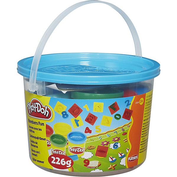 Тематический игровой набор Play-Doh ЧислаНаборы для лепки<br>Игровой набор Ведерочко, Play-Doh<br><br>Характеристики:<br><br>- в набор входит: 4 цвета теста, 10 формочек, игровое поле, ведерко<br>- состав: вода, мука, соль, красители<br>- размер упаковки: 14,5 * 10 * 14,5 см.<br>- вес: 226 гр.<br>- для детей в возрасте: от 3 до 6 лет<br>- Страна производитель: Китай<br><br>Тесто для лепки Play-Doh (Плей-До) от известного американского производителя товаров для детей Hasbro (Хасбро) понравится детям, которые знакомятся с лепкой. Мягкое, безопасное, нетоксичное тесто состоит из натуральных компонентов, не прилипает к пальчикам и прекрасно смешивается между собой. Этот набор отличается своей оригинальной тематикой и понравится детишкам интересующимся животными и пляжем. <br><br>В удобном для хранения ведерке лежат четыре отдельные закрывающиеся  баночки с желтым, красным, синим и зеленым тестом. Так же в набор входят формочки цифр от 0 до 9 и небольшая скалочка. Все красные формочки – нечетные цифры, а желтые – четные. Вылепив из теста цифры можно поместить их в специальное игровое поле с примерами инаучиться считать играючи! Цвета теста можно легко комбинировать между собой и смешивать, можно купить любое тесто для лепки Play-Doh (Плей-До) и оно сможет смешаться с тестом из набора. <br><br>Не рекомендуется хранить тесто для лепки на открытом воздухе. Работа с тестом для лепки помогает развить моторику ручек, внимание, творческие способности, тактильное и цветовое восприятие, поможет научиться смешивать цвета и добиться аккуратности в работе с формочками. <br><br>Игровой набор Ведерочко, Play-Doh можно купить в нашем интернет-магазине.<br>Ширина мм: 145; Глубина мм: 145; Высота мм: 105; Вес г: 372; Возраст от месяцев: 36; Возраст до месяцев: 120; Пол: Унисекс; Возраст: Детский; SKU: 5385714;