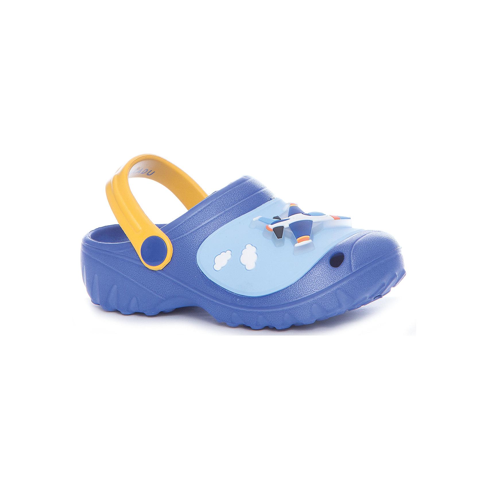Шлёпанцы пляжные для мальчика KAKADUПляжная обувь<br>Характеристики:<br><br>• цвет: синий<br>• внешний материал: ПВХ, ЭВА<br>• внутренний материал: ПВХ, ЭВА<br>• стелька: без стельки<br>• Подошва: ПВХ, ЭВА<br>• высота подошвы: 1,5 см<br>• шлёпанцы со светодиодами в декортивных элементах<br>• назначение обуви: для пляжа<br>• сезон: лето<br>• тип подошвы: рифлёная<br>• уход: удаление загрязнений мягкой щеткой<br><br>Туфли для девочки KAKADU от Сrossway – это обувь, которая характеризуется высокими качественными и потребительскими характеристиками: прочная, удобная и при этом модная, и яркая! Туфли предназначены для пляжа или для бассейна. Они выполнены с учетом анатомических особенностей детской стопы. <br><br>Верх изделия – из сочетания экологически безопасных и гипоаллергенных материалов – этиленвинилацетата и поливинилхлорида. Подошва выполнена из этиленвинилацетата, который обладает высокими амортизирующими и противоскользящими свойствами. <br><br>Шлепки имеют классическую форму, сзади для пяточек предусмотрены широкие ремешки, которые обеспечивают фиксацию на ножках. Обуви выполнена в ярком дизайне: декоративные элементы в виде кексов и бабочек дополнены мигающим светодиодным элементом. <br><br>Шлёпанцы для мальчика KAKADU можно купить в нашем интернет-магазине.<br><br>Ширина мм: 227<br>Глубина мм: 145<br>Высота мм: 124<br>Вес г: 325<br>Цвет: синий<br>Возраст от месяцев: 84<br>Возраст до месяцев: 96<br>Пол: Мужской<br>Возраст: Детский<br>Размер: 31,27,28,29,30<br>SKU: 5386482