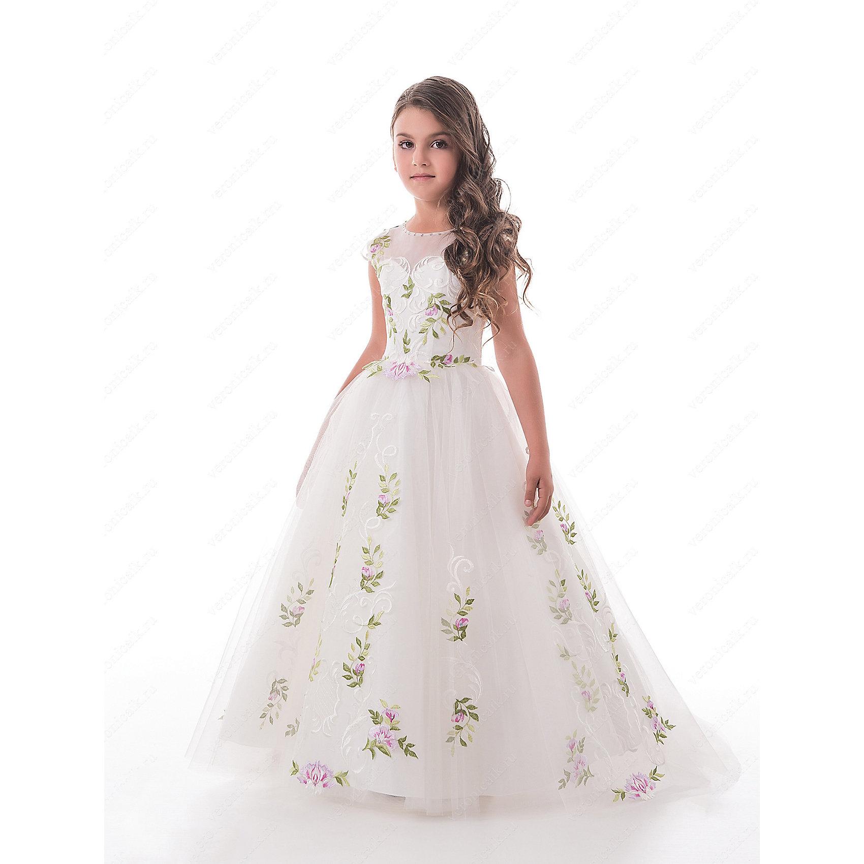 Платье нарядное для девочки ПрестижОдежда<br>Характеристики:<br><br>• Вид детской и подростковой одежды: платье<br>• Предназначение: праздничная<br>• Платье подходит для занятий бальными танцами.<br>• Коллекция: Trinity bride<br>• Сезон: круглый год<br>• Тематика рисунка: цветы<br>• Цвет: молочный<br>• Материал: 100% полиэстер<br>• Силуэт: А-силуэт, пышный<br>• Юбка: солнце<br>• Рукав: без рукава<br>• Вырез горловины: круглый<br>• Длина платья: длинное со шлейфом<br>• Застежка: молния на спинке и шнуровка у корсета<br>• Особенности ухода: ручная стирка при температуре не более 30 градусов<br><br>Платье нарядное для девочки Престиж от отечественного производителя праздничной одежды и аксессуаров как для взрослых, так и для детей. Изделие выполнено из 100% полиэстера, который обладает легкостью, прочностью, устойчивостью к износу и пятнам. Платье отрезное по талии, имеет классический А-силуэт и круглую горловину. Верх платья, представляющий собой корсет, имеет застежку-молнию и шнуровку на спинке, что обеспечивает хорошую посадку платья по фигуре. <br><br>Классический стиль платья дополнен эффектными деталями и декором. Вышитый цветными нитками цветочный орнамент, украшающий переднюю полочку и пояс, придают изделию особую изысканность, цветочные элементы повторяются и на длинной пышной юбке. Стразы, украшающие горловину, создают эффект мягкого мерцания и законченности торжественного образа. <br>Платье нарядное для девочки Престиж – это неповторимый стиль вашей девочки на любом торжестве!<br><br>Платье нарядное для девочки Престиж можно купить в нашем интернет-магазине.<br><br>Ширина мм: 236<br>Глубина мм: 16<br>Высота мм: 184<br>Вес г: 177<br>Цвет: молочный<br>Возраст от месяцев: 84<br>Возраст до месяцев: 96<br>Пол: Женский<br>Возраст: Детский<br>Размер: 128,116,122<br>SKU: 5387737