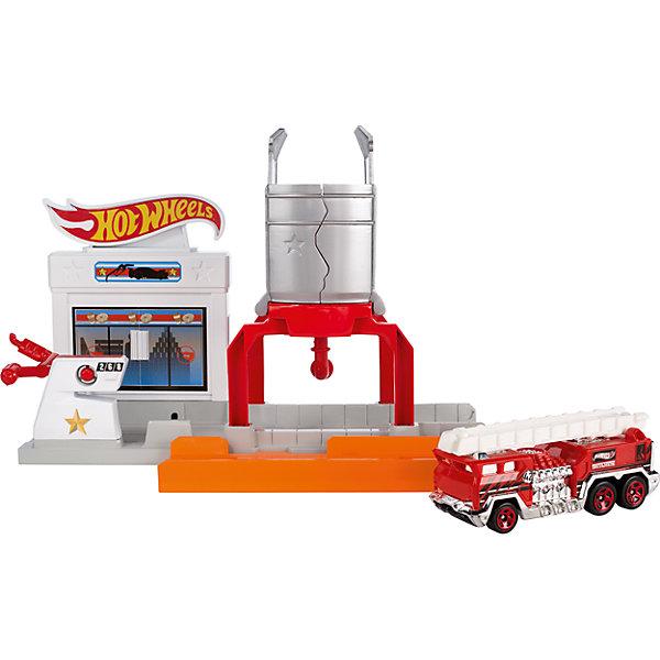 Трансформирующийся игровой набор Blaze Blast, Hot WheelsПопулярные игрушки<br>Характеристики товара:<br><br>• материал: пластик, металл<br>• комплектация: 1 машинка, пусковое устройство, трек<br>• хорошая детализация<br>• совместимы с игровыми наборами Hot Wheels<br>• возраст: от 4 лет<br>• размер упаковки: 21х16х5 см<br>• упаковка: блистер на картоне<br>• страна бренда: США<br><br>Играть с машинками обожает множество современных мальчишек. Сделать ребенку желанный подарок легко - приобретите такой набор Blaze Blast от бренда Hot Wheels! В него входит машинка и заправочная станция, которая легко превращается в участок трека!<br><br>Эти игрушки от Mattel отлично проработаны. Они отличаются безопасными материалами и высокой степенью детализации. С таким набором можно придумать множество игр! Параллельно ребенок будет развивать фантазию, пространственное мышление и мелкую моторику.<br><br>Трансформирующийся игровой набор Blaze Blast, Hot Wheels, от компании Mattel можно купить в нашем интернет-магазине.<br><br>Ширина мм: 205<br>Глубина мм: 65<br>Высота мм: 190<br>Вес г: 322<br>Возраст от месяцев: 48<br>Возраст до месяцев: 120<br>Пол: Мужской<br>Возраст: Детский<br>SKU: 5389680