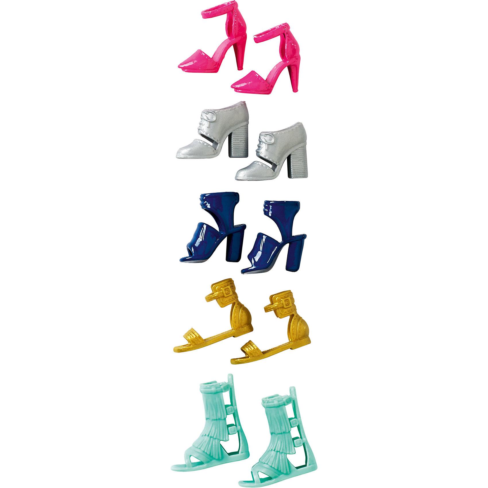 Набор обуви для BarbieХарактеристики товара:<br><br>• комплектация: 5 пар обуви<br>• материал: пластик<br>• отличная детализация<br>• упаковка: пакет, картон<br>• различные стили<br>• возраст: от трех лет<br>• страна бренда: США<br><br>Этот набор порадует маленьких любительниц кукол Barbie. Он поможет создать новый образ своей кукле. В комплекте представлена обувь различных форм и цветов, на разные сезоны: сапоги, кроссовки, босоножки и т.д.! Такой набор станет желанным подарком для девочек, которые следят за модными тенденциями.<br><br>Игры с куклами помогают развить у девочек вкус и чувство стиля, отработать сценарии поведения в обществе, развить воображение и мелкую моторику. Барби от бренда Mattel не перестает быть популярной! <br><br>Набор обуви для Barbie от компании Mattel можно купить в нашем интернет-магазине.<br><br>Ширина мм: 156<br>Глубина мм: 81<br>Высота мм: 25<br>Вес г: 26<br>Возраст от месяцев: 36<br>Возраст до месяцев: 72<br>Пол: Женский<br>Возраст: Детский<br>SKU: 5389696