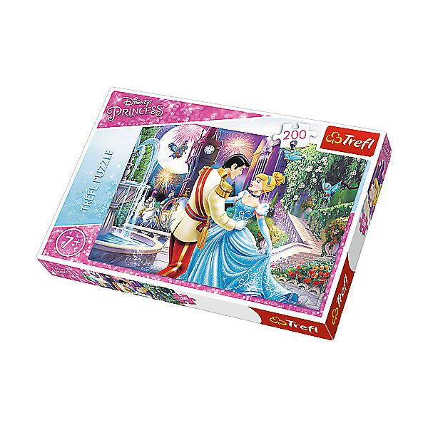 Пазлы Танец в лунном свете, 200 элементовПринцессы Дисней<br>Подарите юной поклоннице серии «Disney Princess» чудесный пазл «Танец в лунном свете» из 200 деталей. Ведь это трогательный танец Золушки и принца в шикарном дворце! Каждая девочка мечтает побывать на этом знаменитом балу, поэтому малышке будет интересно собирать головоломку. Благодаря уникальной форме каждого элемента, они легко соединяются между собой и образуют прочную картинку без зазоров.  <br><br>Занятия с ярким и красивым пазлом разовьют множество полезных навыков и оставят в памяти маленькой принцессы незабываемые впечатления! <br><br> Количество элементов пазла: 200.  <br><br>Размер картинки в собранном виде: 48х34 см.<br>Ширина мм: 336; Глубина мм: 233; Высота мм: 43; Вес г: 422; Возраст от месяцев: 84; Возраст до месяцев: 108; Пол: Женский; Возраст: Детский; Количество деталей: 200; SKU: 5390277;