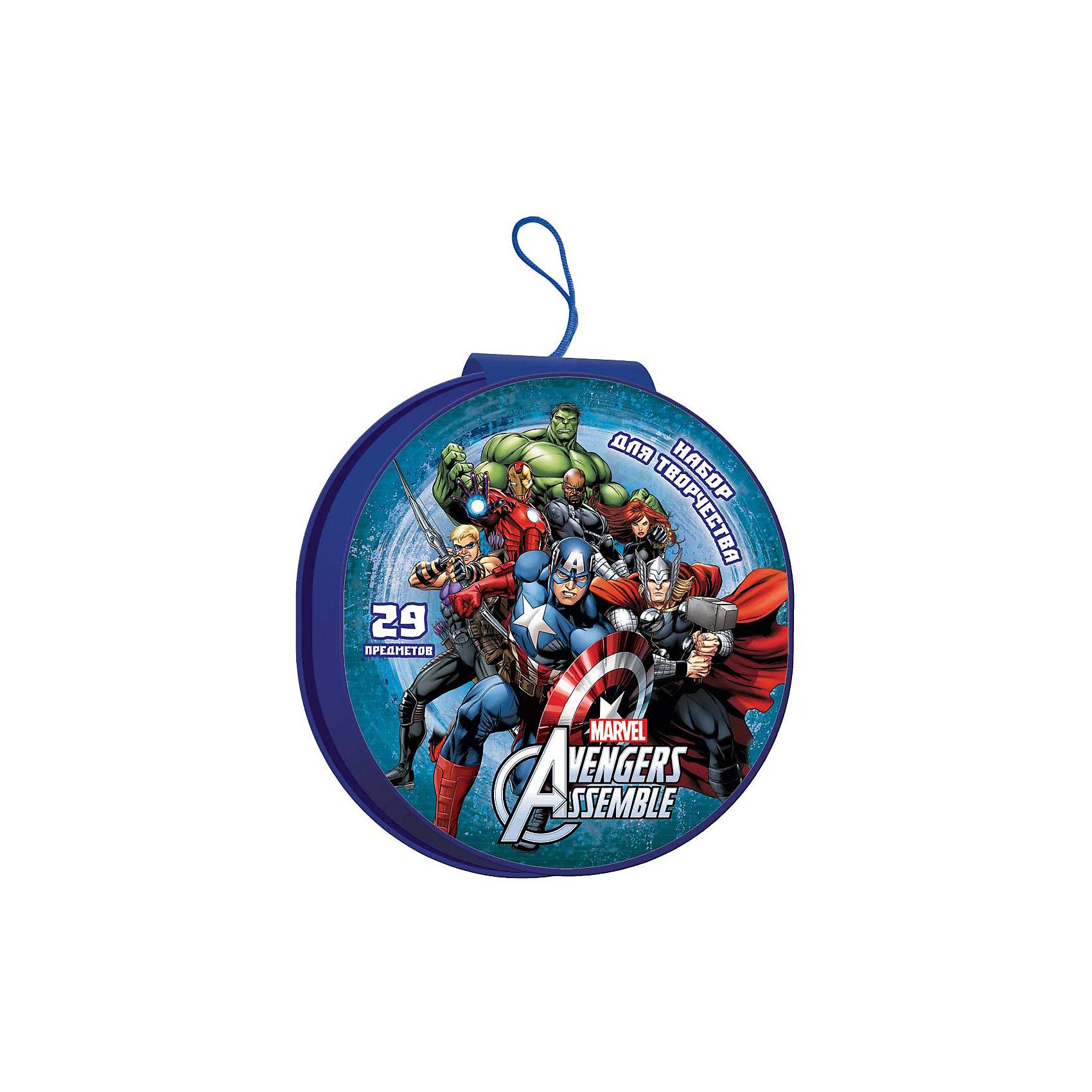 Подарочный набор Disney Мстители-2 29 предметовМстители<br>Подарочный набор Disney Мстители-2 29 предметов, Limpopo (Лимпопо)<br><br>Характеристики:<br><br>• набор поможет развить ребенку фантазию<br>• в комплекте есть всё необходимое для создания рисунком<br>• привлекательный дизайн с любимым персонажем<br>• в комплекте: 6 фломастеров, 4 карандаша, краски (5 цветов), 4 восковых мелка, 4 пластиковых мелка, палитра, ластик, точилка, блокнот<br>• размер упаковки: 19х5х21 см<br>• вес: 229грамм<br><br>Рисовать очень весело, особенно когда под рукой есть всё необходимое! В набор Disney Мстители-2 входят мелки, краски, карандаши и многое другое. Все предметы находятся в удобной упаковке с изображением персонажей комиксов. Палитра научит ребенка создавать новые цвета путем смешивания разных цветов. Компактный размер набора позволит взять его в дорогу, в поликлинику или в гости. Отважные герои помогут ребёнку создать самые восхитительные шедевры и весело провести время!<br><br>Подарочный набор Disney Мстители-2 29 предметов, Limpopo (Лимпопо)можно купить в нашем интернет-магазине.<br><br>Ширина мм: 210<br>Глубина мм: 50<br>Высота мм: 190<br>Вес г: 233<br>Возраст от месяцев: 48<br>Возраст до месяцев: 144<br>Пол: Мужской<br>Возраст: Детский<br>SKU: 5390297