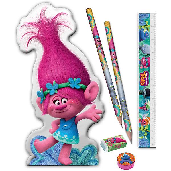 Канцелярский набор ТроллиТролли<br>Канцелярский набор Тролли, Limpopo (Лимпопо)<br><br>Характеристики:<br><br>• PVC-упаковка в виде сумочки<br>• яркий дизайн с героями мультфильма<br>• подарочная упаковка<br>• в комплекте: 2 ч/г карандаша, линейка, точилка, ластик, сумочка<br>• размер упаковки: 21х2х20,5 см<br>•вес: 50 грамм<br><br>Жизнерадостная Розочка знакома каждому поклоннику мультфильма Тролли. Сумочка с ее изображением станет прекрасным подарком для вашего ребенка. Внутри сумочки находятся два чернографитовых карандаша, линейка, ластик и точилка. Все эти принадлежности пригодятся ребенку на занятиях. А с веселыми троллями учиться еще интереснее!<br><br>Канцелярский набор Тролли, Limpopo (Лимпопо) можно купить в нашем интернет-магазине.<br>Ширина мм: 205; Глубина мм: 20; Высота мм: 210; Вес г: 50; Возраст от месяцев: 48; Возраст до месяцев: 144; Пол: Унисекс; Возраст: Детский; SKU: 5390301;