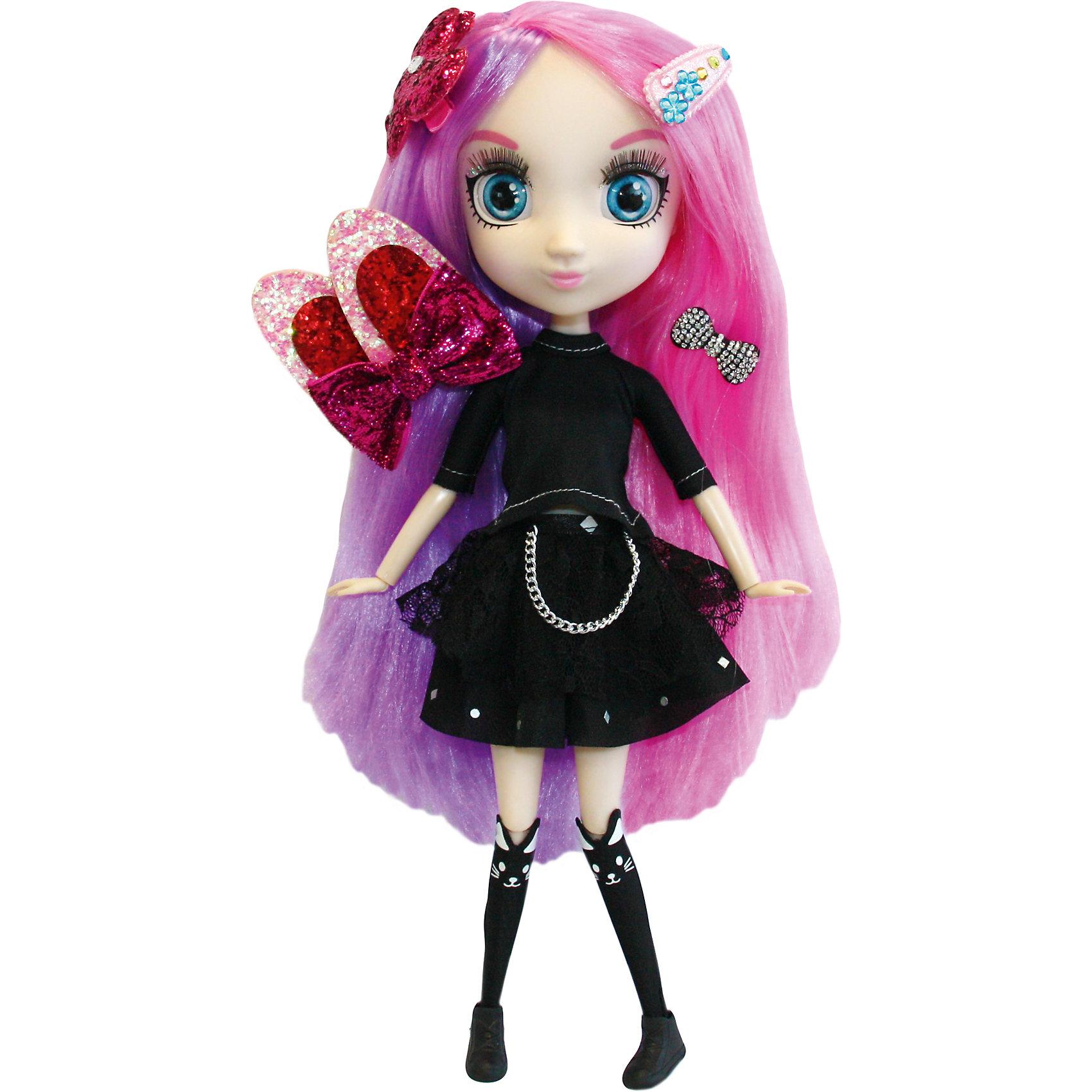 Кукла Йоко, 33см, Шибадзуку ГерлзБренды кукол<br>Кукла Йоко, 33см, Шибадзуку Герлз<br><br>Характеристики:<br><br>• модная кукла с реалистичными глазами<br>• длинные ресницы<br>• длинные густые волосы<br>• в комплекте: кукла, заколки, аксессуары<br>• высота куклы: 33 см<br>• материал: пластик, текстиль<br>• размер упаковки: 20,6х38,1х10,2 см<br>• вес: 600 грамм<br><br>Шибадзуку Герлз - куклы, поражающие своей красотой и реалистичностью. У них широкие глаза с пышными ресницами и длинные густые волосы. Руки и ноги кукол подвижны. Йоко очень увлекается мистикой, рок-музыкой и игрой на электро гитаре. Наряд Йоки вполне соответствует ее увлечениям: кукла одета в черное платье с цепью, черные гольфы и черные ботиночки. Яркие розово-лиловые волосы куклы украшены различными заколочками. Вы сможете придумать для Йоко необычную прическу, которая еще больше подчеркнет оригинальность ее образа. <br><br>Куклу Йоко, 33см, Шибадзуку Герлз вы можете купить в нашем интернет-магазине.<br><br>Ширина мм: 102<br>Глубина мм: 381<br>Высота мм: 206<br>Вес г: 600<br>Возраст от месяцев: 36<br>Возраст до месяцев: 2147483647<br>Пол: Женский<br>Возраст: Детский<br>SKU: 5397314