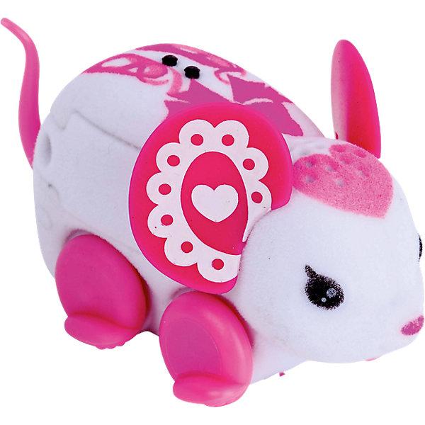Интерактивная мышка Bella Tina, Little Live Pets, MooseИнтерактивные животные<br>Характеристики товара:<br><br>• возраст от 5 лет;<br>• материал: пластик, флок;<br>• в комплекте: мышка, 3 батарейки;<br>• работает от 3 батареек LR44 (в комплекте);<br>• размер мышки 7,6х2,5х2,5 см;<br>• размер упаковки 22х16х5 см;<br>• вес упаковки 100 гр.;<br>• страна производитель: Китай.<br><br>Интерактивная мышка Moose Little Live Pets «Bella Tina» - оригинальная мышка с розовыми узорами на спинке, розовыми ушками и сердечком на голове. Мышка умеет двигаться, пищать и фыркать под музыку. Чтобы мышка начала движение, надо просто ее погладить. Когда мышка остается одна, она засыпает и отключается автоматически. Игрушка изготовлена из качественных материалов, безопасных для ребенка.<br><br>Интерактивную мышку Moose Little Live Pets «Bella Tina» можно приобрести в нашем интернет-магазине.<br>Ширина мм: 223; Глубина мм: 160; Высота мм: 52; Вес г: 73; Возраст от месяцев: 60; Возраст до месяцев: 108; Пол: Унисекс; Возраст: Детский; SKU: 5400748;