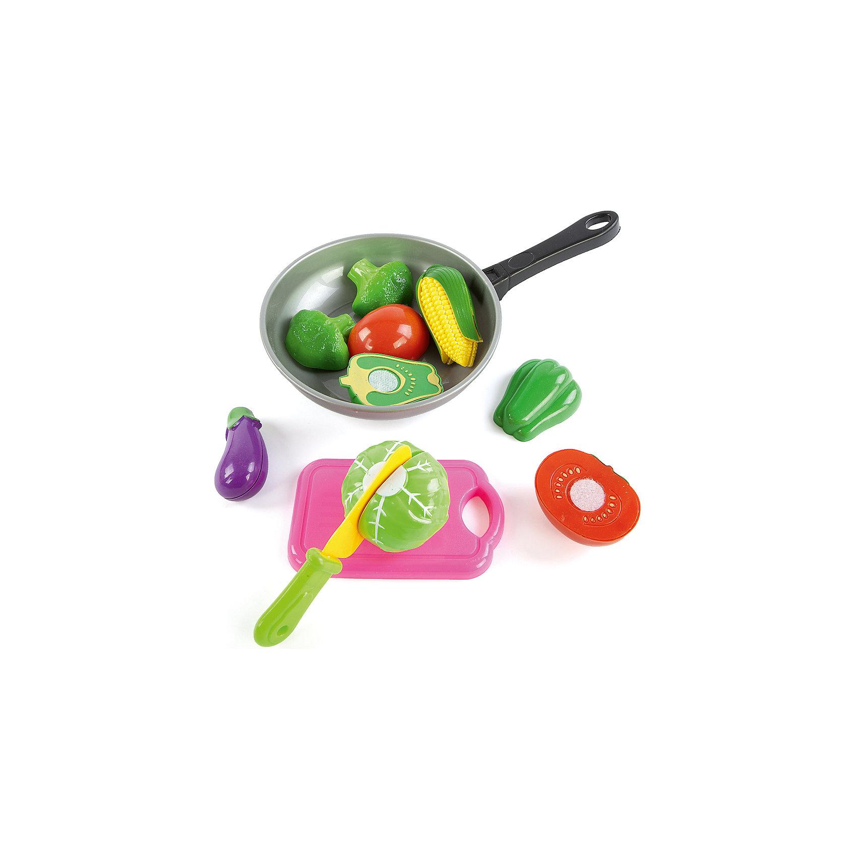 Набор для резки овощей Учимся готовить, 12 предметов, Mary PoppinsИгрушечные продукты питания<br>Набор для резки овощей Учимся готовить, 12 предметов, Mary Poppins.<br><br>Характеристики:<br><br>• Комплектация: овощи, нож, доска, сковорода<br>• Количество предметов: 12<br>• Материал: пластмасса<br>• Упаковка: сетка<br><br>Игровой набор Учимся готовить от компании Mary Poppins состоит из нескольких игрушечных овощей, которые мальчики и девочки смогут разрезать на две части, используя пластмассовый ножик. Также в комплекте имеется сковородка, на которой ребенок сможет готовить разные воображаемые блюда. Набор для резки овощей Учимся готовить станет прекрасным дополнением детской кухни или другой кухонной посуды вашего ребенка. Играя с набором, ваш малыш получит начальные навыки работы с ножом. Все элементы набора изготовлены из качественной гипоаллергенной пластмассы.<br><br>Набор для резки овощей Учимся готовить, 12 предметов, Mary Poppins можно купить в нашем интернет-магазине.<br><br>Ширина мм: 300<br>Глубина мм: 170<br>Высота мм: 60<br>Вес г: 184<br>Возраст от месяцев: 24<br>Возраст до месяцев: 2147483647<br>Пол: Женский<br>Возраст: Детский<br>SKU: 5402762