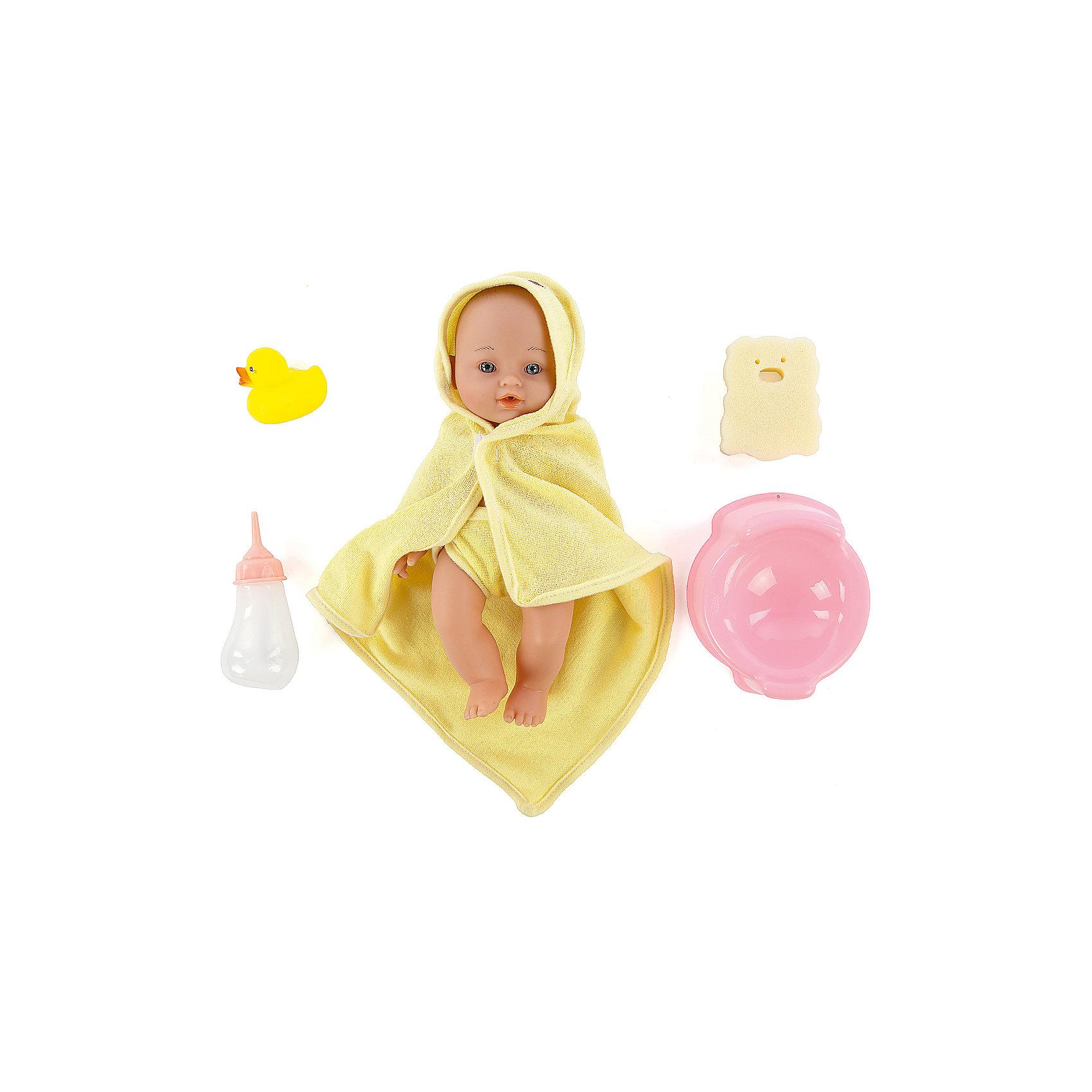 Игровой набор с пупсом и аксессуарами Пошли купаться, Mary PoppinsКуклы-пупсы<br>Игровой набор с пупсом и аксессуарами Пошли купаться, Mary Poppins.<br><br>Характеристики:<br><br>• Комплектация: кукла, бутылочка, горшок, мочалка, игрушка для купания<br>• Высота куклы: 30 см.<br>• Материал: пластик, ПВХ, текстиль<br>• Упаковка: рюкзачок<br><br>Игровой набор с пупсом и аксессуарами Пошли купаться от производителя Mary Poppins позволит девочке устраивать невероятно увлекательные сюжетно-ролевые игры! Комплект включает в себя очаровательного пупса, одетого в трусики и накидку с капюшоном, которая одновременно служит полотенцем. У куклы есть функция пью и писаю: можно напоить ее настоящей водой из бутылочки и потом посадить на горшок. Пупса можно купать в ванной (тельце у куклы твердое). В комплекте с куклой имеется мочалка и игрушка для купания. Кукла упакована в рюкзачок.<br><br>Игровой набор с пупсом и аксессуарами Пошли купаться, Mary Poppins можно купить в нашем интернет-магазине.<br><br>Ширина мм: 180<br>Глубина мм: 130<br>Высота мм: 245<br>Вес г: 416<br>Возраст от месяцев: 24<br>Возраст до месяцев: 2147483647<br>Пол: Женский<br>Возраст: Детский<br>SKU: 5402776