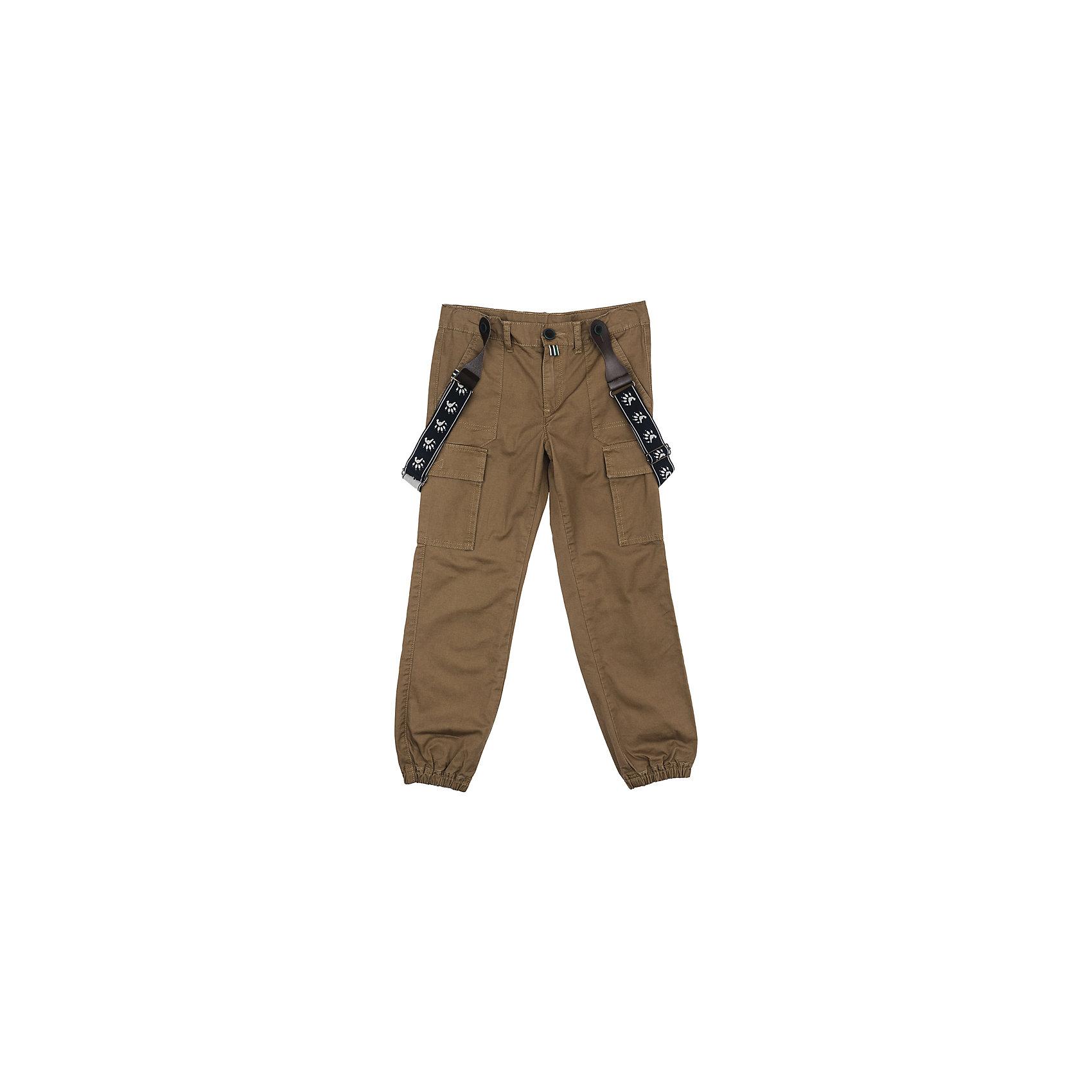 Брюки для мальчика PlayTodayБрюки<br>Брюки для мальчика PlayToday<br>Практичные и удобные брюки из натурального хлопка спортивного стиля смогут быть одной из базовых вещей детского гардероба. Низ брючин на мягких резинках. Модель с эффектными накладными карманами на брючинах. Брюки декорированы подтяжками с ярким принтом.Преимущества: Модель с мягкими резинками по низу брючинБрюки декорированы эффектными подтяжкамиМодель со шлевками<br>Состав:<br>100% хлопок<br><br>Ширина мм: 215<br>Глубина мм: 88<br>Высота мм: 191<br>Вес г: 336<br>Цвет: разноцветный<br>Возраст от месяцев: 24<br>Возраст до месяцев: 36<br>Пол: Мужской<br>Возраст: Детский<br>Размер: 98,128,104,110,116,122<br>SKU: 5403207