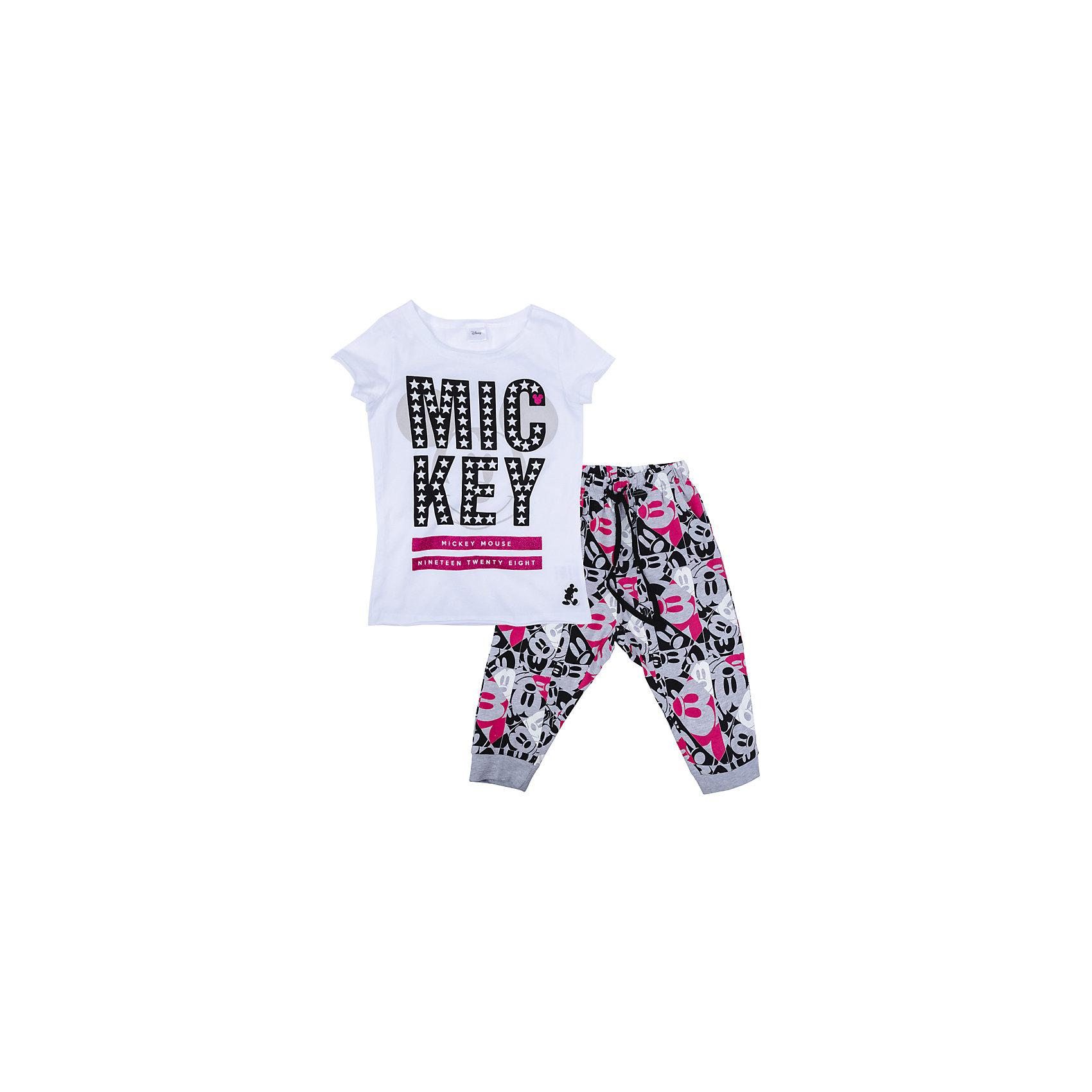 Комплект для девочки ScoolКомплекты<br>Комплект для девочки Scool<br>Комплект из футболки и бюк прекрасно подойдет как для домашнего использования, так и для  прогулок на свежем воздухе. Мягкий, приятный к телу материал не сковывает движений. Яркая аппликация является достойным украшением данного изделия. Брюки на мягкой удобной резинке с регулируемым шнуром - кулиской, низ брючин на манжетах.<br>Состав:<br>95% хлопок, 5% эластан<br><br>Ширина мм: 215<br>Глубина мм: 88<br>Высота мм: 191<br>Вес г: 336<br>Цвет: разноцветный<br>Возраст от месяцев: 156<br>Возраст до месяцев: 168<br>Пол: Женский<br>Возраст: Детский<br>Размер: 164,134,140,146,152,158<br>SKU: 5407246