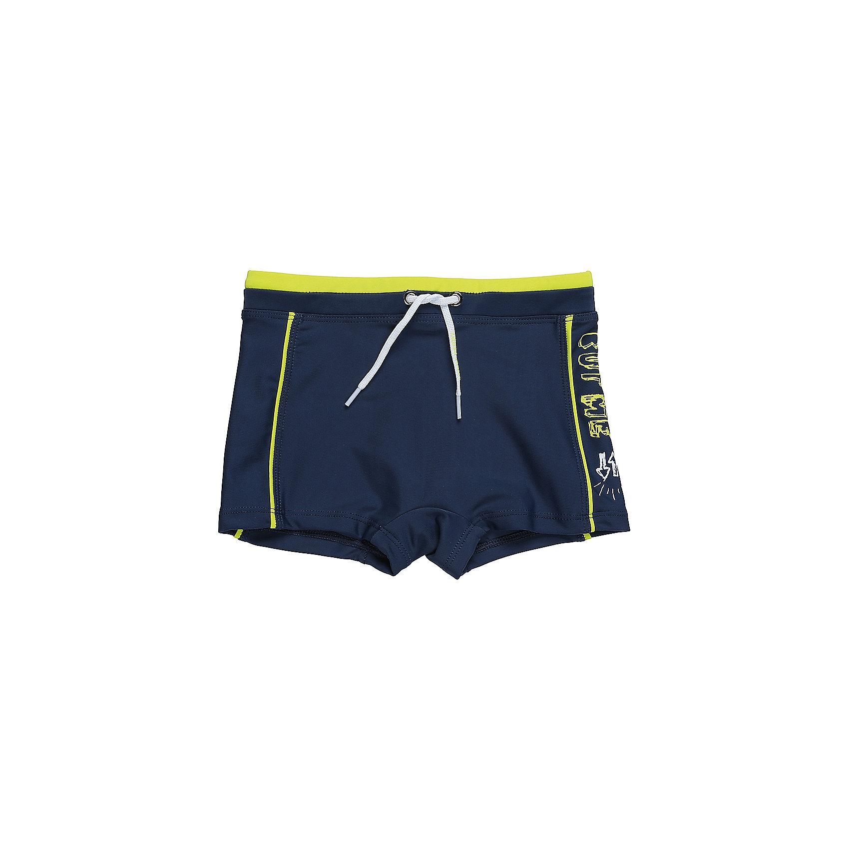 Плавки для мальчика Sweet BerryКлассические купальные плавки-шорты для мальчика с ярким принтом. Пояс-резинка дополнен шнуром для регулирования объема.<br>Состав:<br>85%нейлон 15% эластан<br><br>Ширина мм: 183<br>Глубина мм: 60<br>Высота мм: 135<br>Вес г: 119<br>Цвет: разноцветный<br>Возраст от месяцев: 36<br>Возраст до месяцев: 48<br>Пол: Мужской<br>Возраст: Детский<br>Размер: 104,110,116,128,140<br>SKU: 5410278