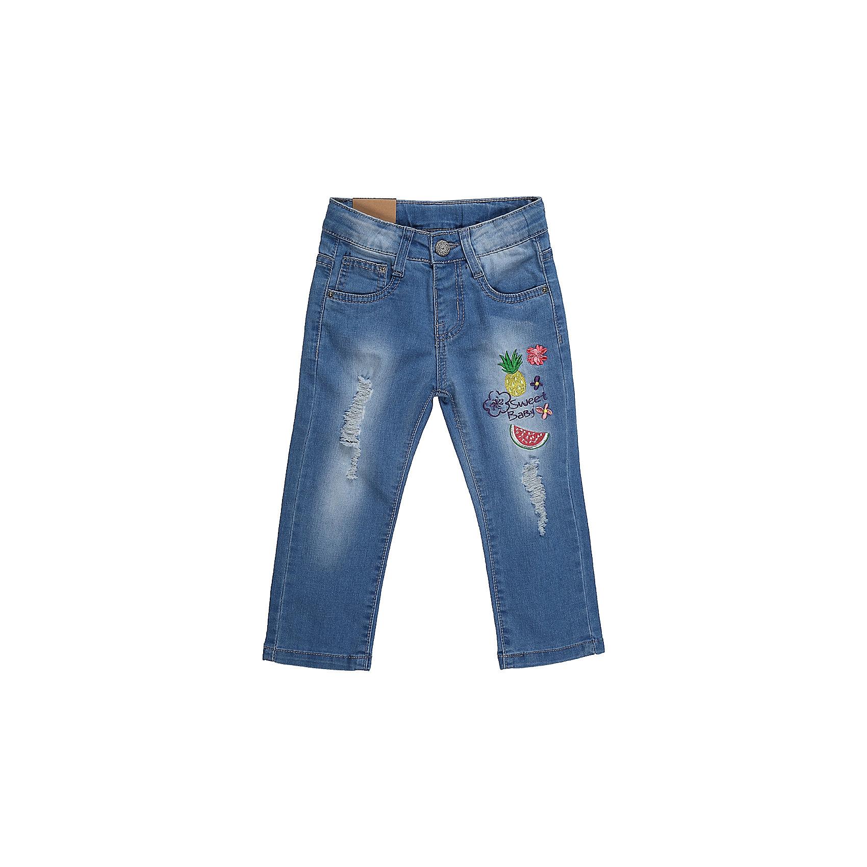 Джинсы для девочки Sweet BerryДжинсовая одежда<br>Джинсы для девочки из хлопка, декорированы красивой вышивкой, потертостями и эффектом рваной джинсы. Зауженный крой, средняя посадка. Застегиваются на молнию и крючок. Шлевки на поясе рассчитаны под ремень. В боковой части пояса находятся вшитые эластичные ленты, регулирующие посадку по талии.<br>Состав:<br>98%хлопок 2%эластан<br><br>Ширина мм: 215<br>Глубина мм: 88<br>Высота мм: 191<br>Вес г: 336<br>Цвет: голубой<br>Возраст от месяцев: 24<br>Возраст до месяцев: 36<br>Пол: Женский<br>Возраст: Детский<br>Размер: 98,80,86,92<br>SKU: 5410919