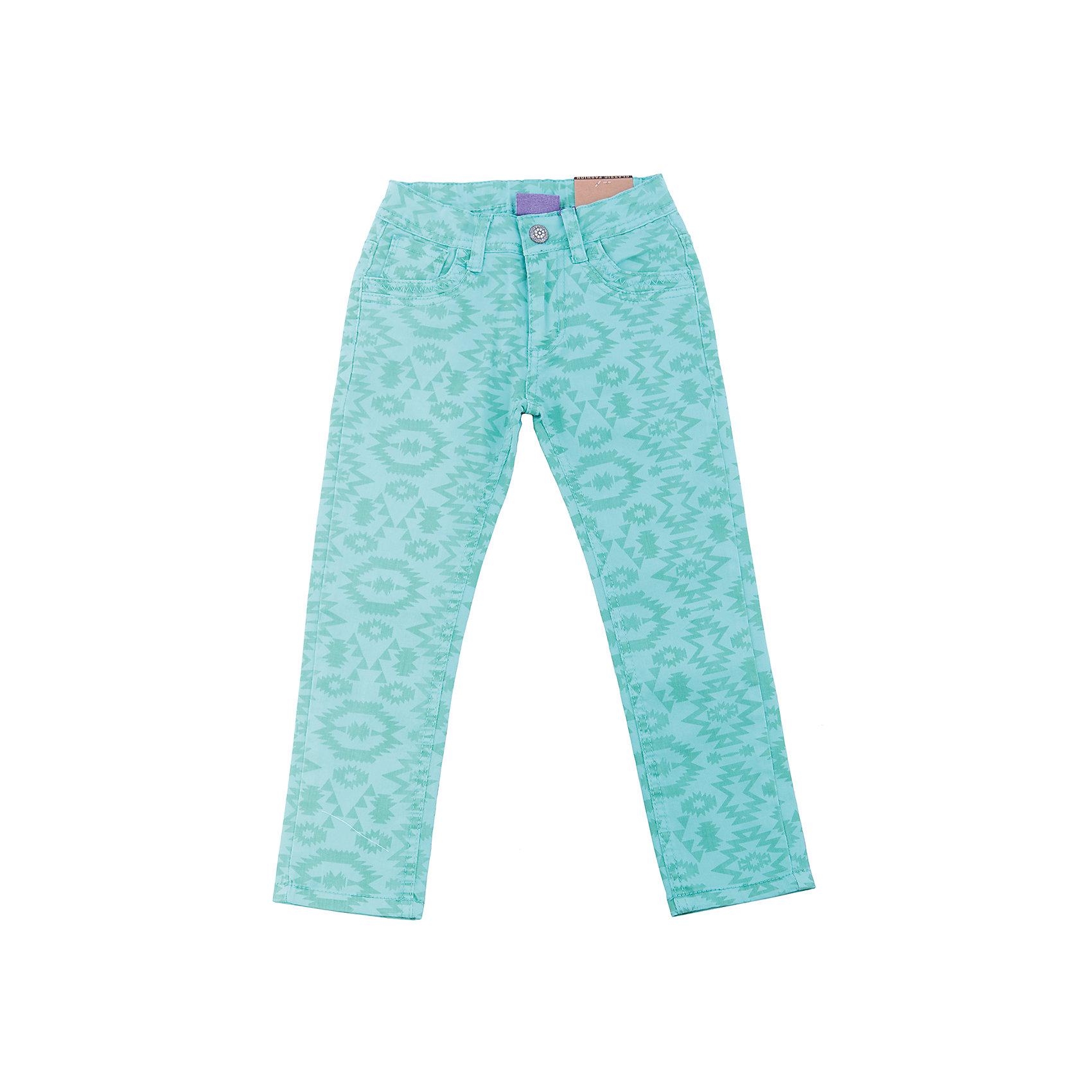 Брюки для девочки Sweet BerryБрюки<br>Стильные джинсовые брюки для девочки. Зауженный крой. Застегиваются на молнию и пуговицу. Шлевки на поясе рассчитаны под ремень. В боковой части пояса находятся вшитые эластичные ленты, регулирующие посадку по талии.<br>Состав:<br>98%хлопок 2%эластан<br><br>Ширина мм: 215<br>Глубина мм: 88<br>Высота мм: 191<br>Вес г: 336<br>Цвет: голубой<br>Возраст от месяцев: 24<br>Возраст до месяцев: 36<br>Пол: Женский<br>Возраст: Детский<br>Размер: 98,110,116,122,128,104<br>SKU: 5412801