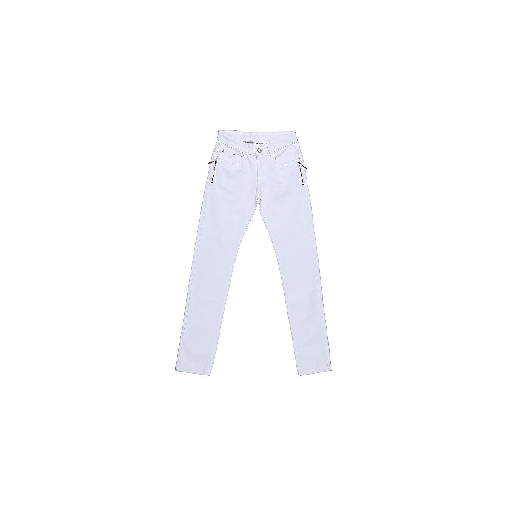 Брюки для девочки LuminosoБрюки<br>Белые джинсовые брюки для девочки Декорированые двумя молниями по бокам карманов. Зауженный крой. Застегиваются на молнию и пуговицу. Шлевки на поясе рассчитаны под ремень. В боковой части пояса находятся вшитые эластичные ленты, регулирующие посадку по талии.<br>Состав:<br>98%хлопок 2%эластан<br><br>Ширина мм: 215<br>Глубина мм: 88<br>Высота мм: 191<br>Вес г: 336<br>Цвет: белый<br>Возраст от месяцев: 96<br>Возраст до месяцев: 108<br>Пол: Женский<br>Возраст: Детский<br>Размер: 134,140,146,152,158,164<br>SKU: 5413438