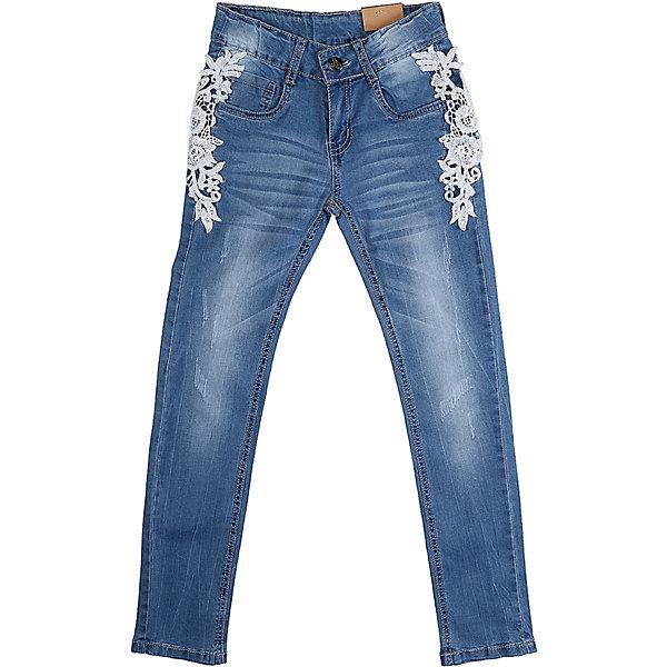 Джинсы для девочки LuminosoДжинсовая одежда<br>Джинсы  для девочки с оригинальной варкой. Декорированы плетеным кружевом. Имеют зауженный крой, среднюю посадку. Застегиваются на молнию и пуговицу. Шлевки на поясе рассчитаны под ремень. В боковой части пояса находятся вшитые эластичные ленты, регулирующие посадку по талии.<br>Состав:<br>98%хлопок 2%эластан<br><br>Ширина мм: 215<br>Глубина мм: 88<br>Высота мм: 191<br>Вес г: 336<br>Цвет: синий<br>Возраст от месяцев: 108<br>Возраст до месяцев: 120<br>Пол: Женский<br>Возраст: Детский<br>Размер: 140,134,164,158,152,146<br>SKU: 5413445
